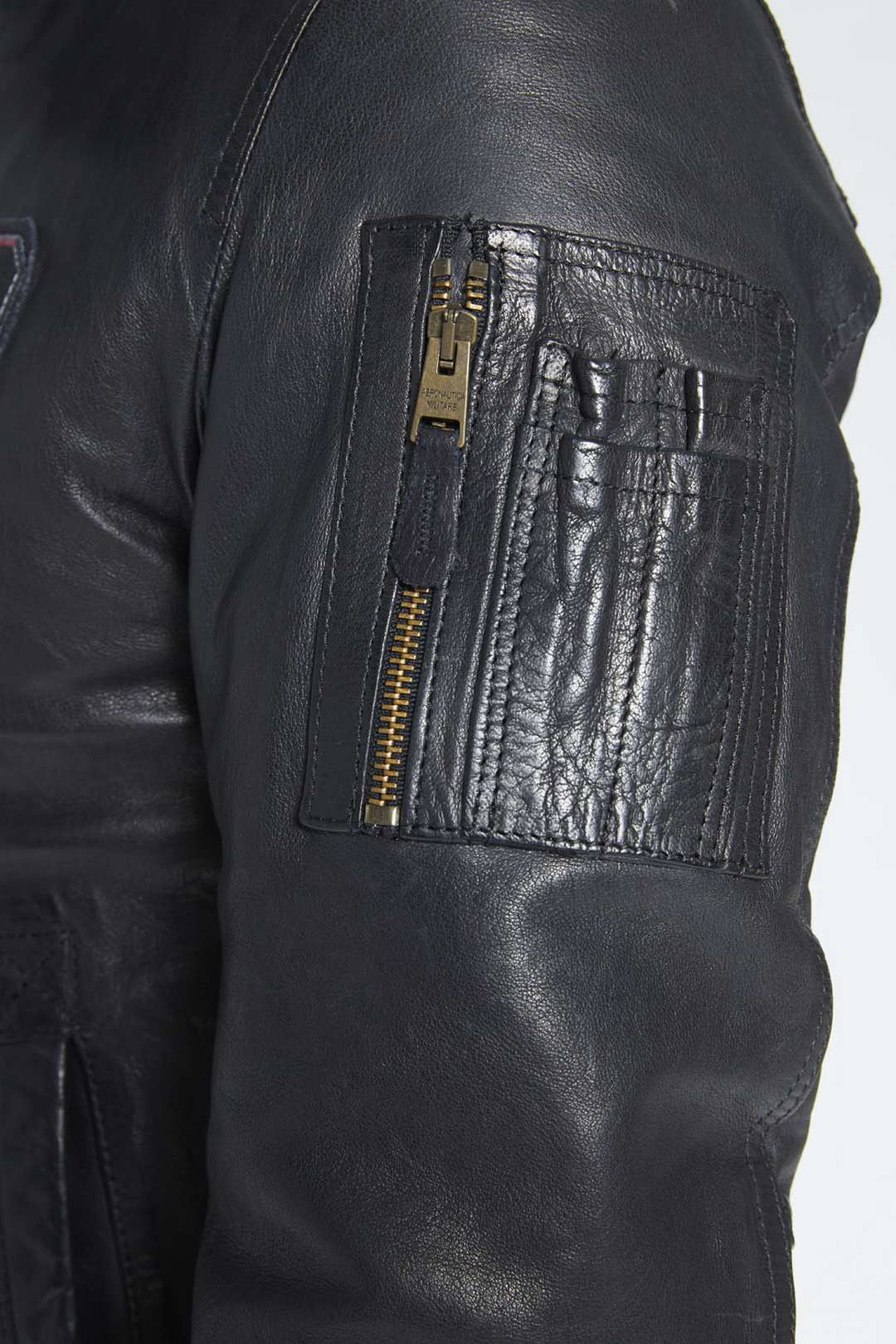 Leather bomber with sheepskin collar     5