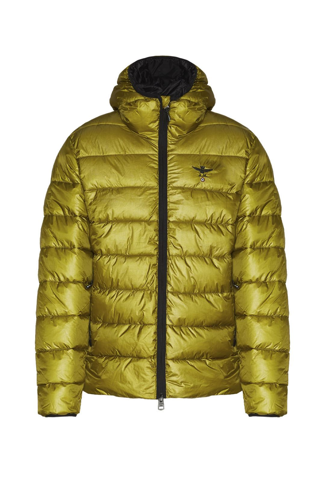 Padded jacket with ripstop fabric