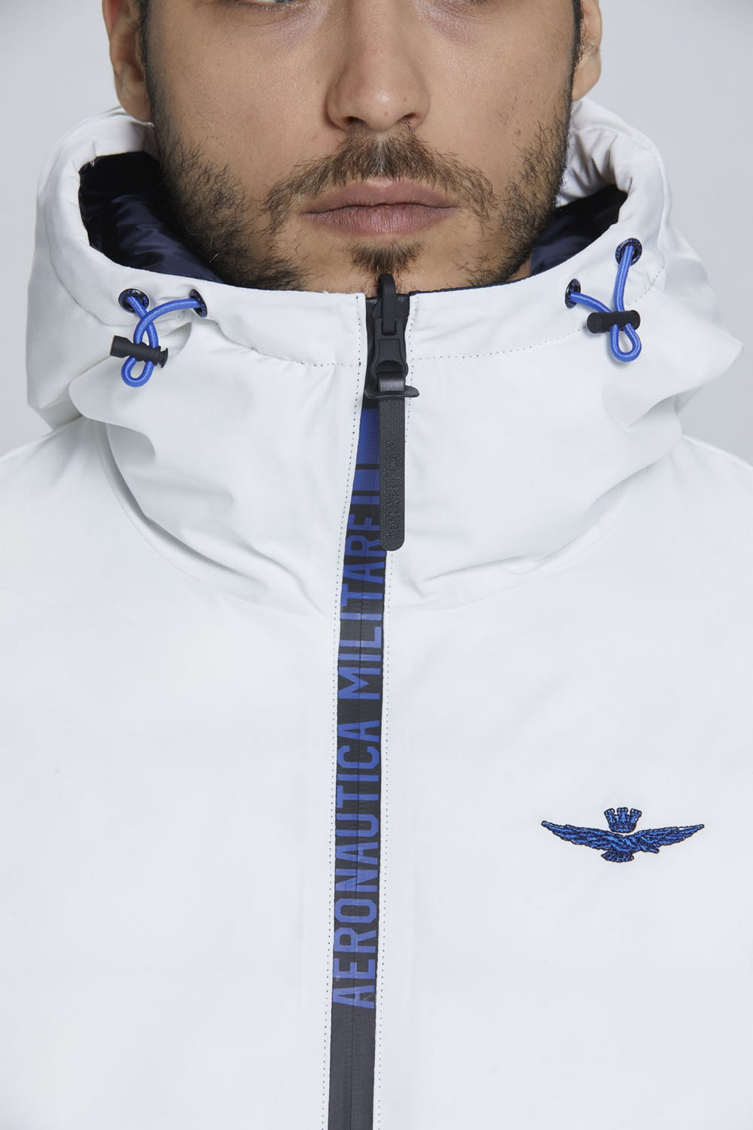 Reversible short down jacket with hood   9