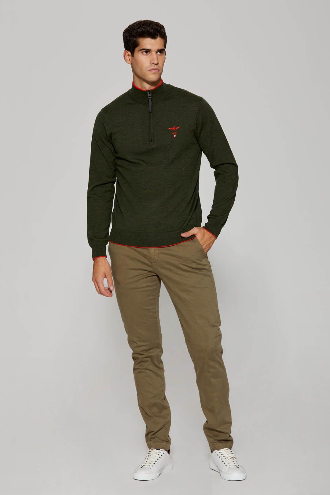 Pullover aus Merino Wolle                4