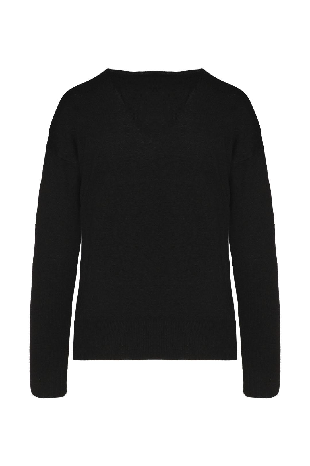 Pullover mit V-Ausschnitt                2