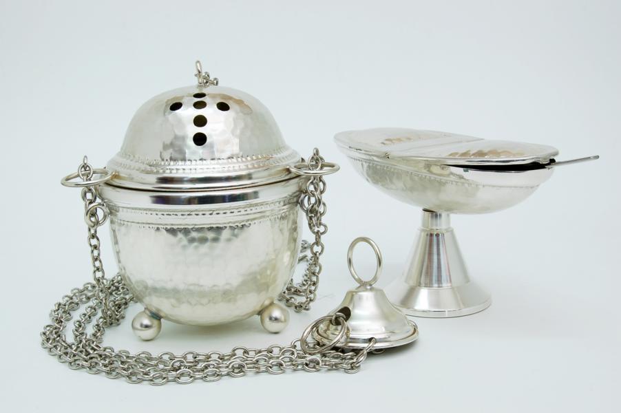 Turibolo in metallo argentato con navicella lis106a for Pietrobon arredi sacri