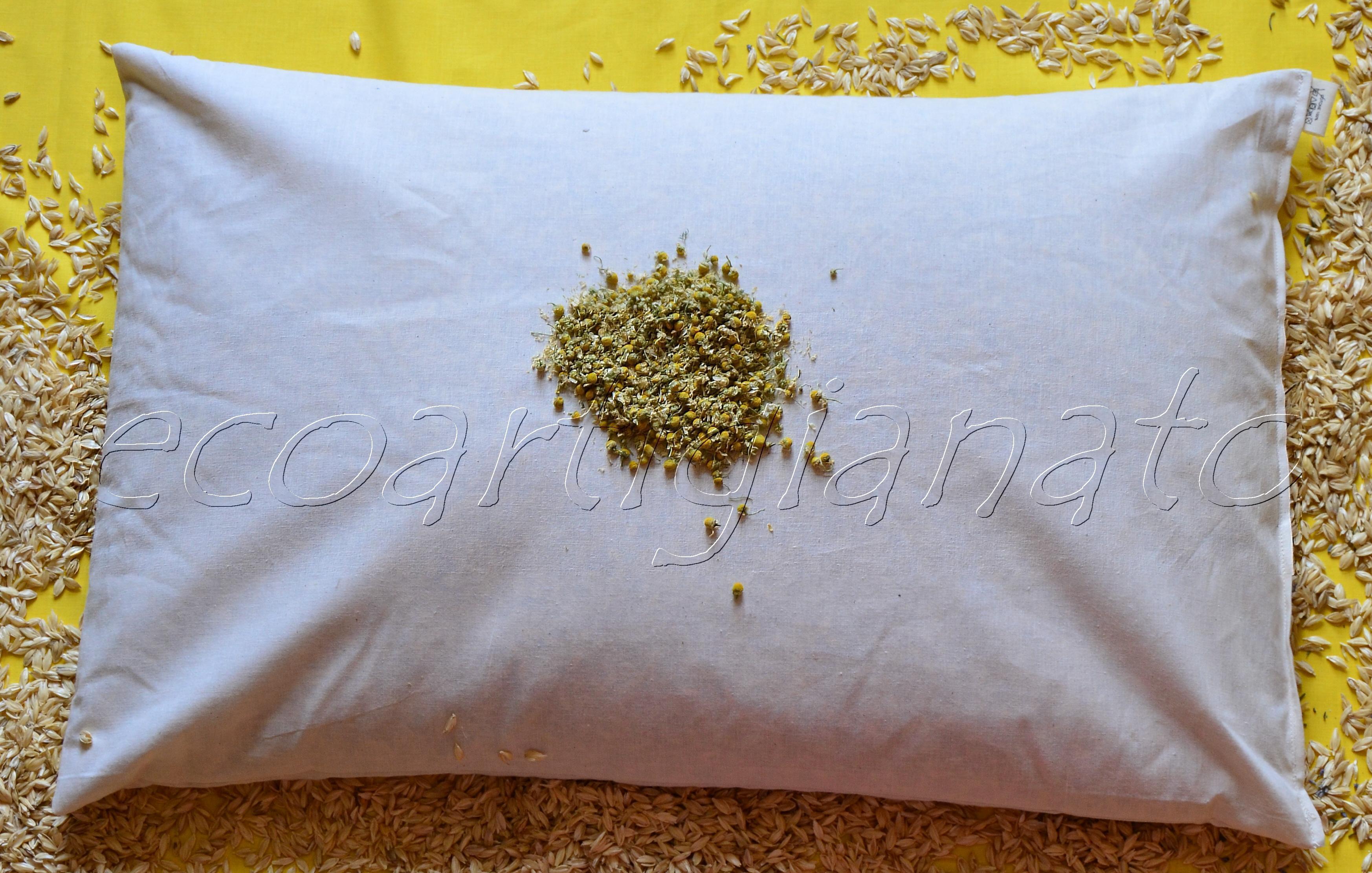 Cuscino Con Pula Di Farro.Aromaterapia Cuscino Guanciale 70x45 Con Pula Di Farro Biologica E Camomilla