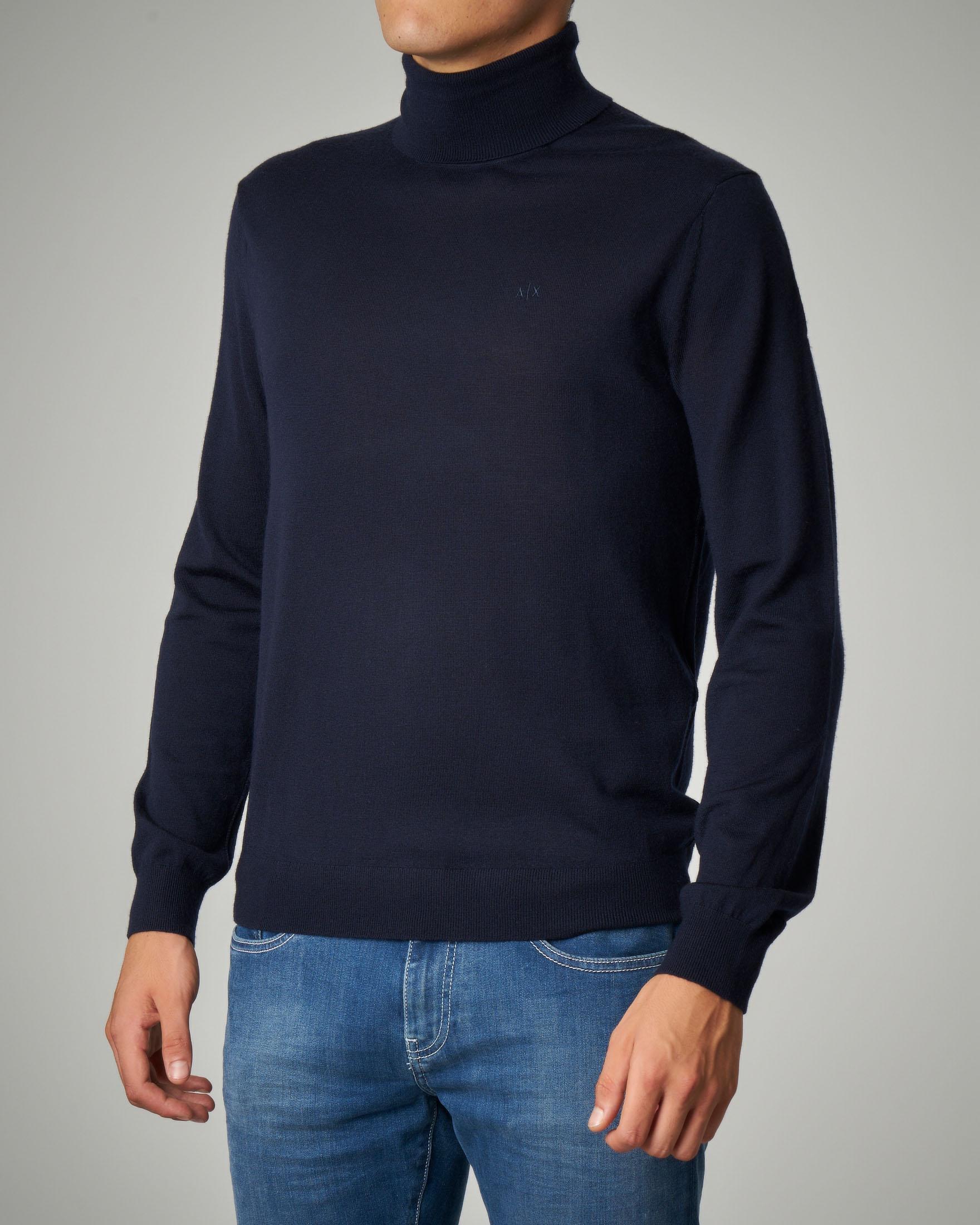 Dolcevita blu in lana