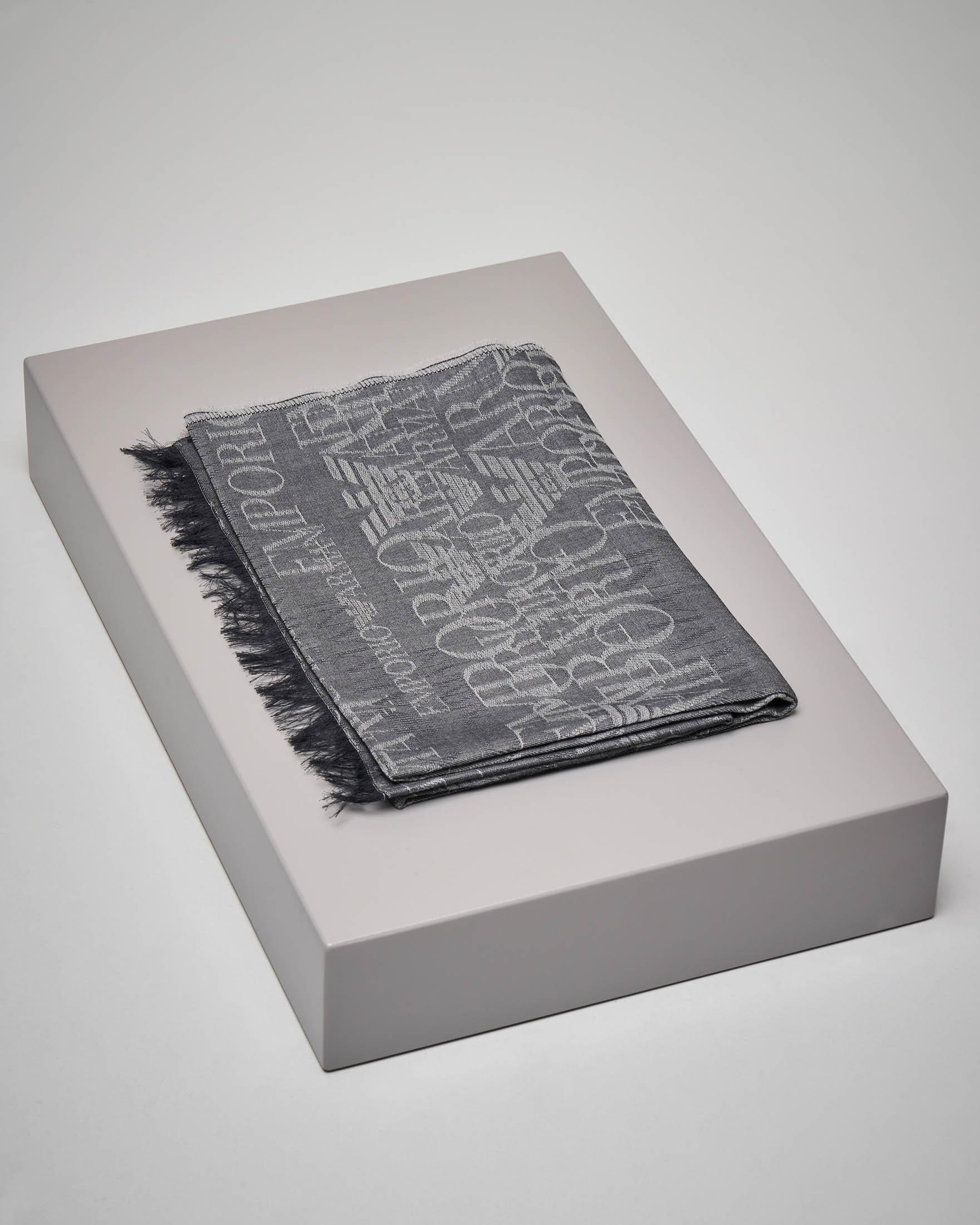 Sciarpa grigio chiaro in lana e modal