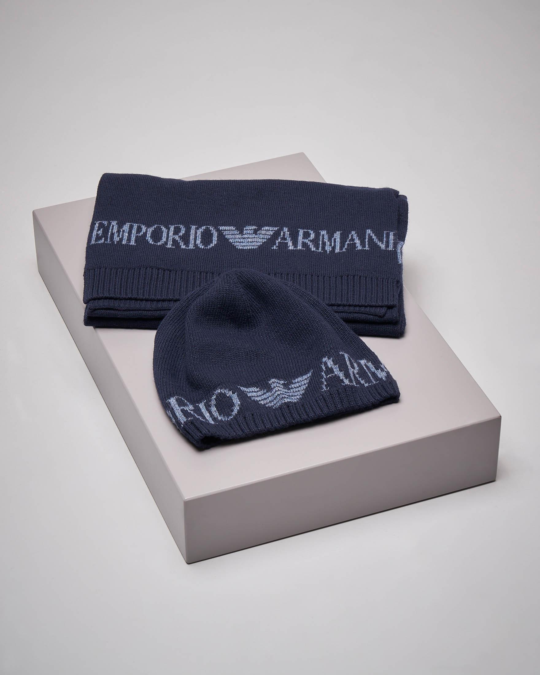 Set sciarpa e berretto blu