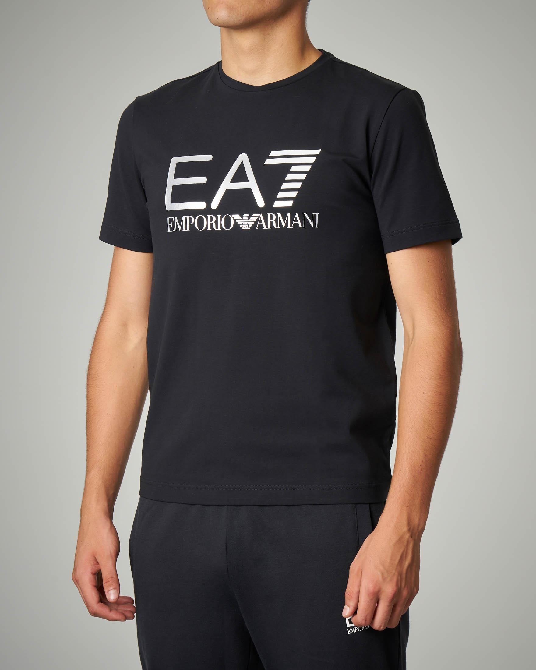 T-shirt nera tessuto stretch