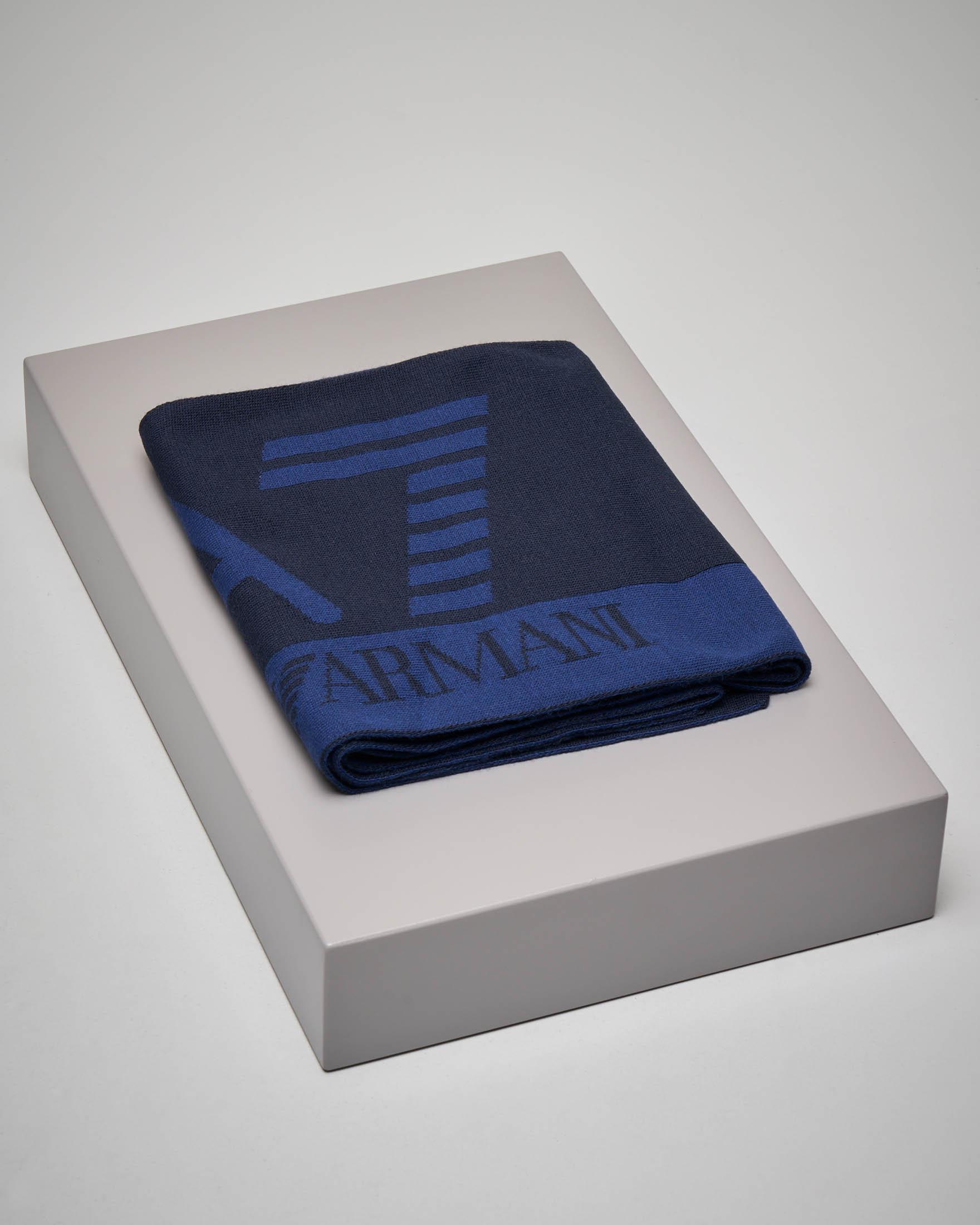 Sciarpa blu con logo azzurro