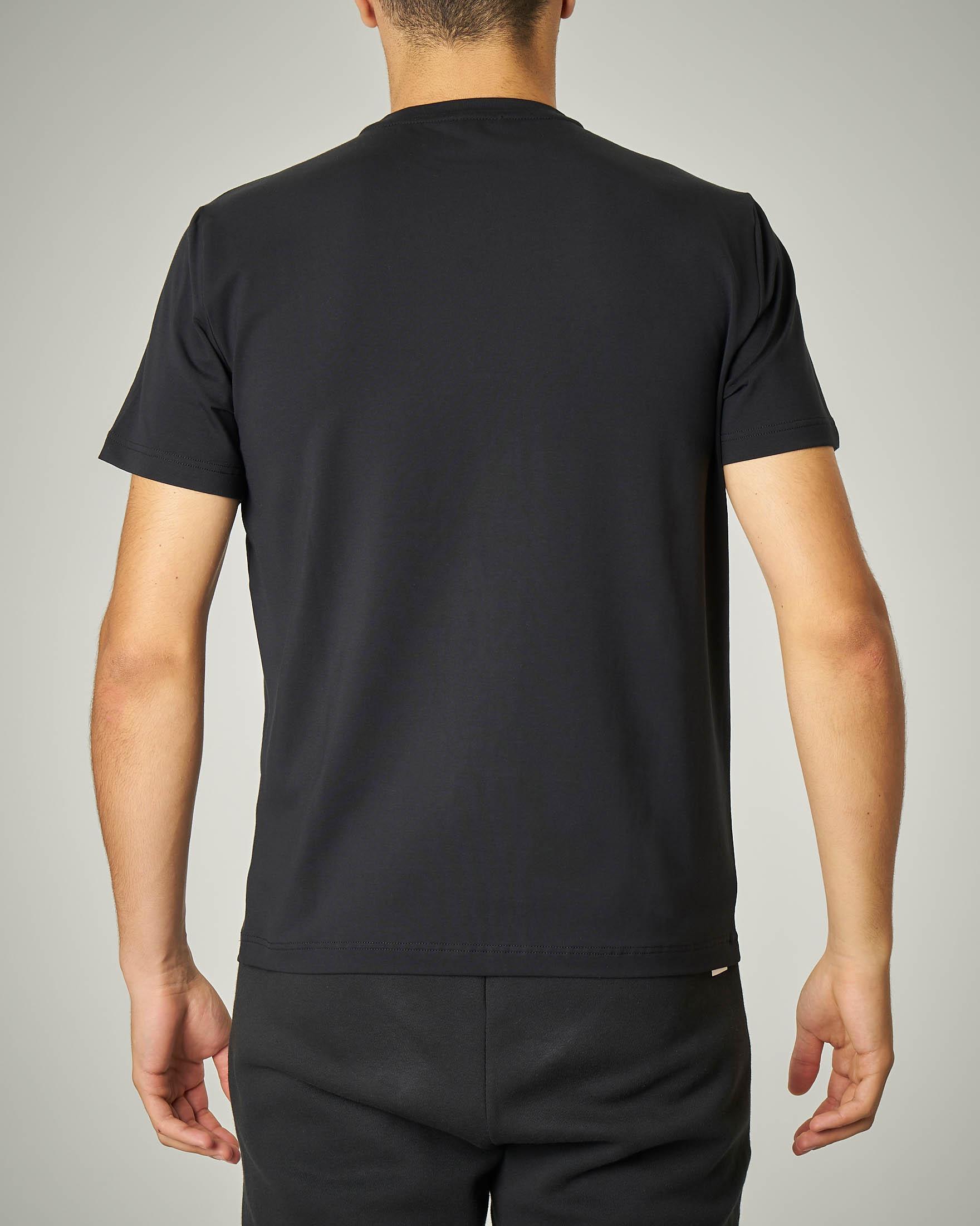T-shirt nera stretch logo argento