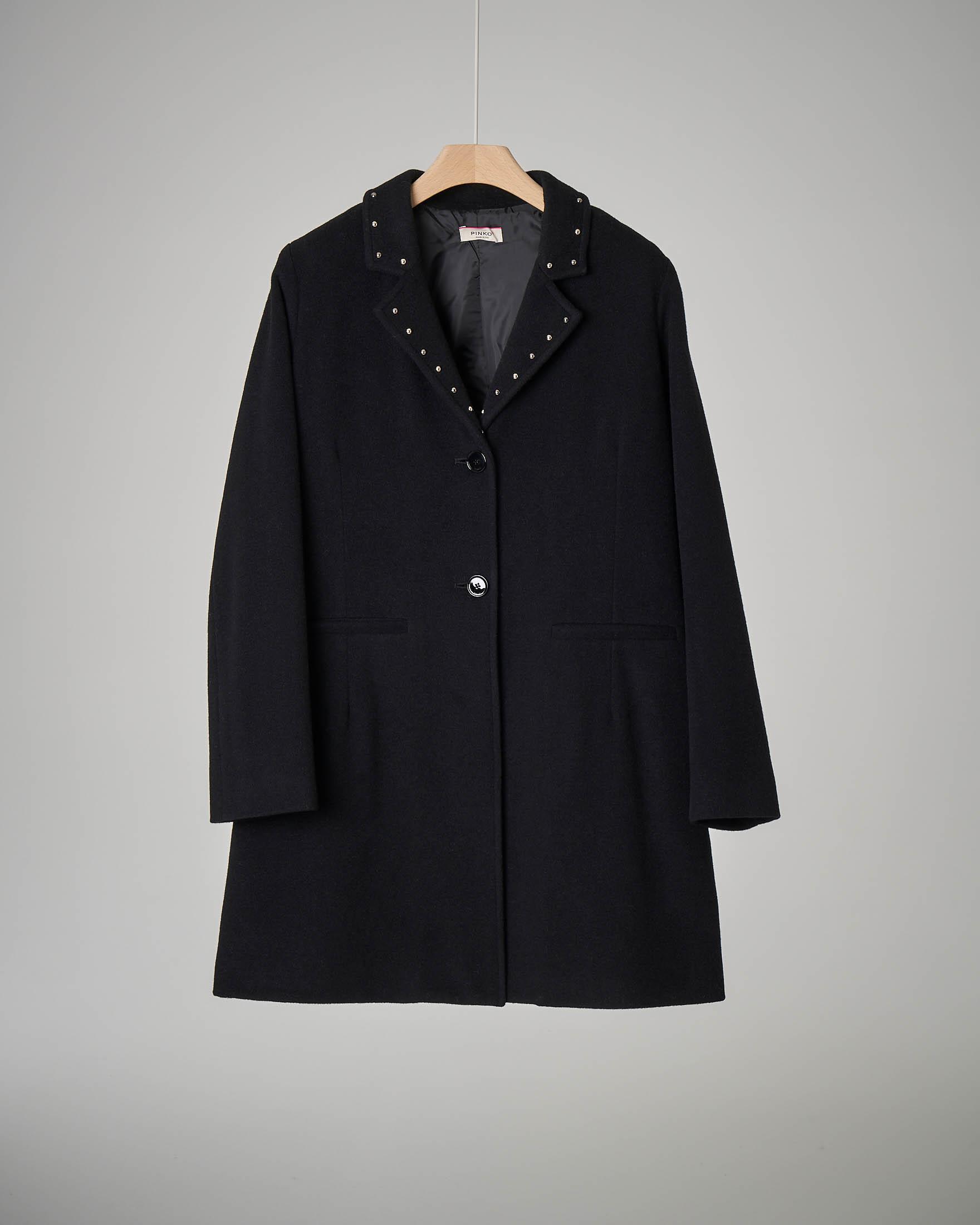 Cappotto nero borchie