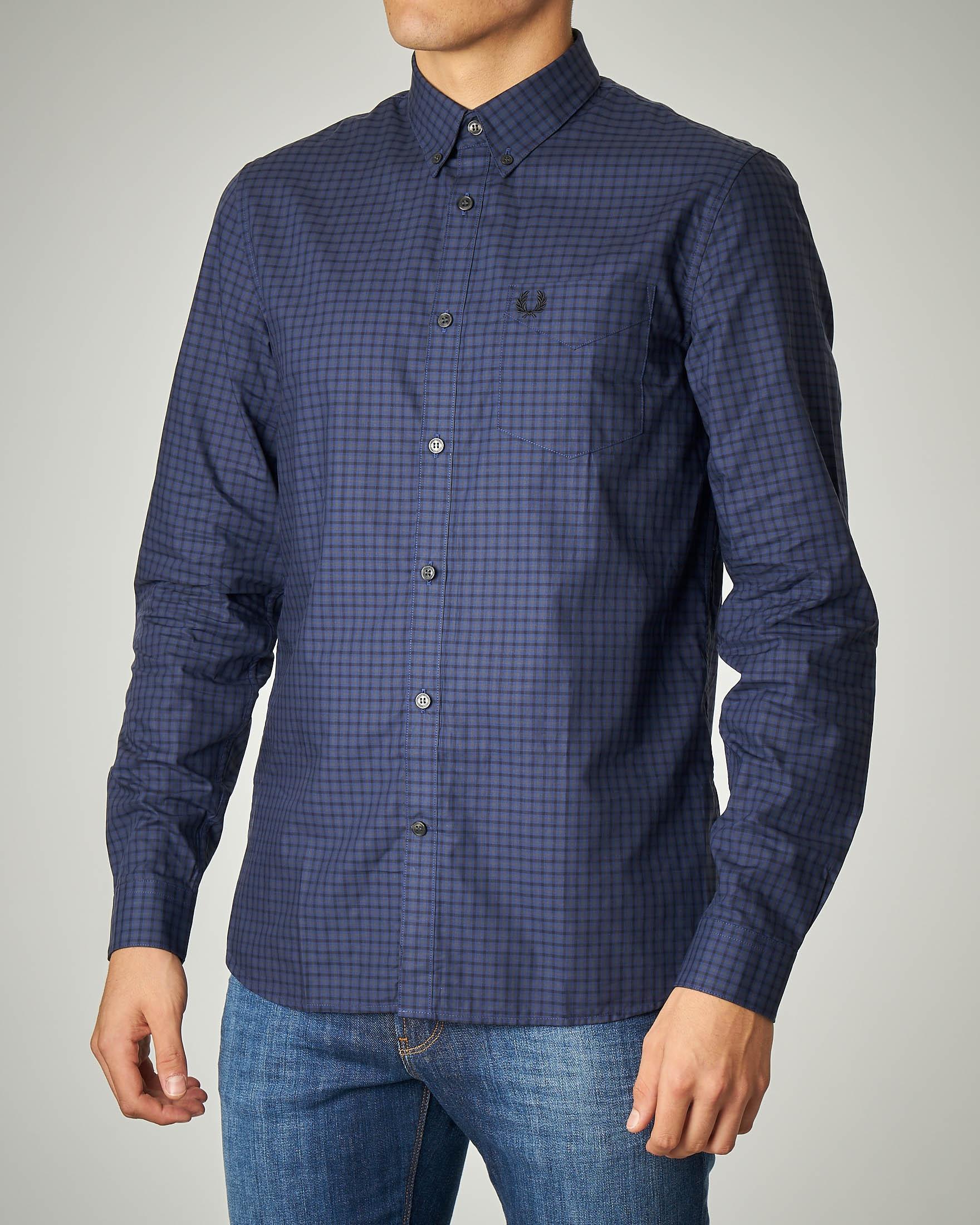 Camicia blu a quadretti
