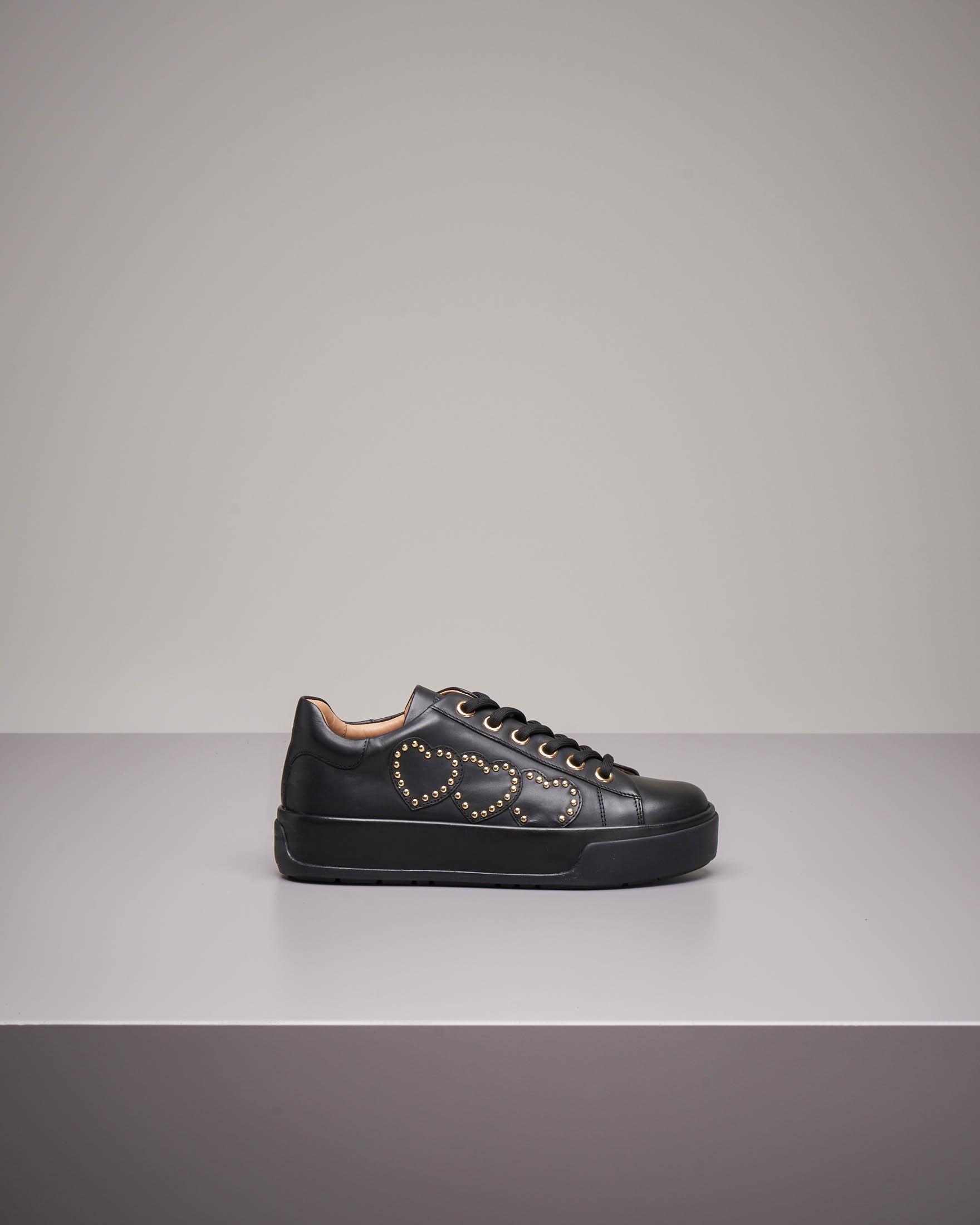 Sneaker nera bassa in pelle con applicazione in pelle