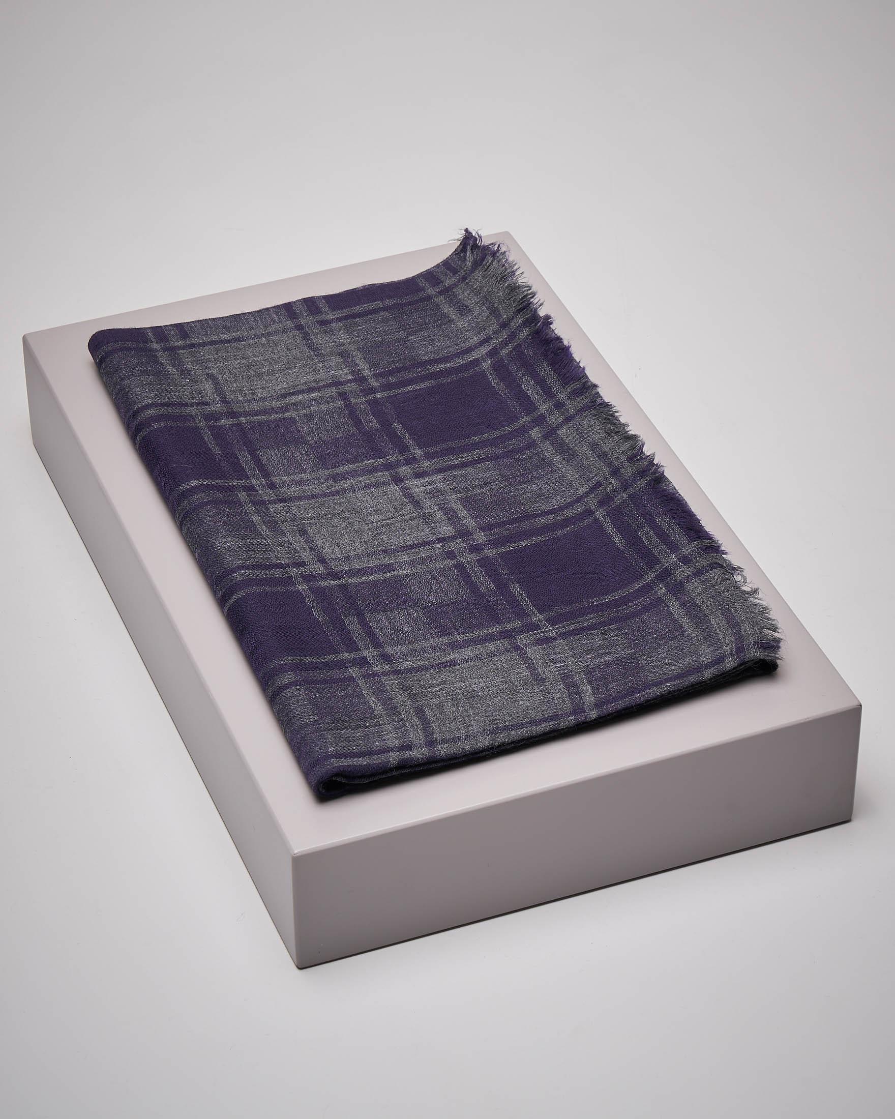 Sciarpa blu e grigia a quadri in lana