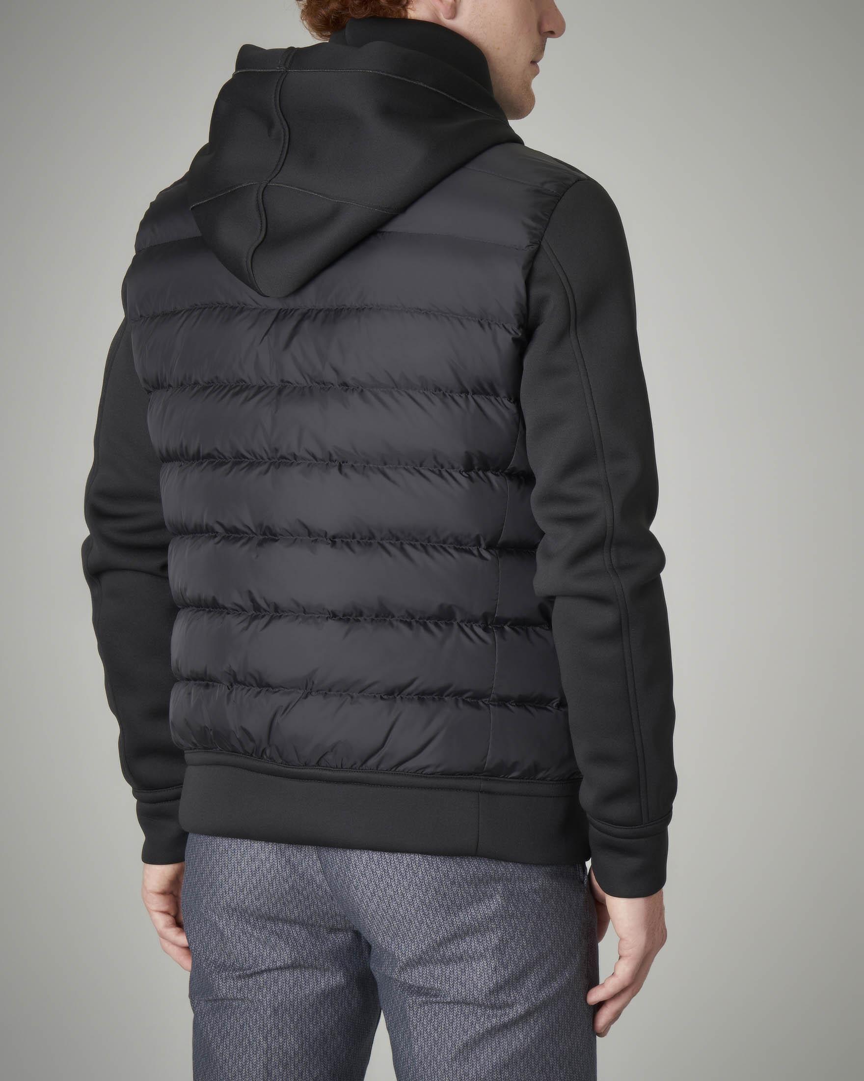 Piumino bi-tessuto nero con cappuccio