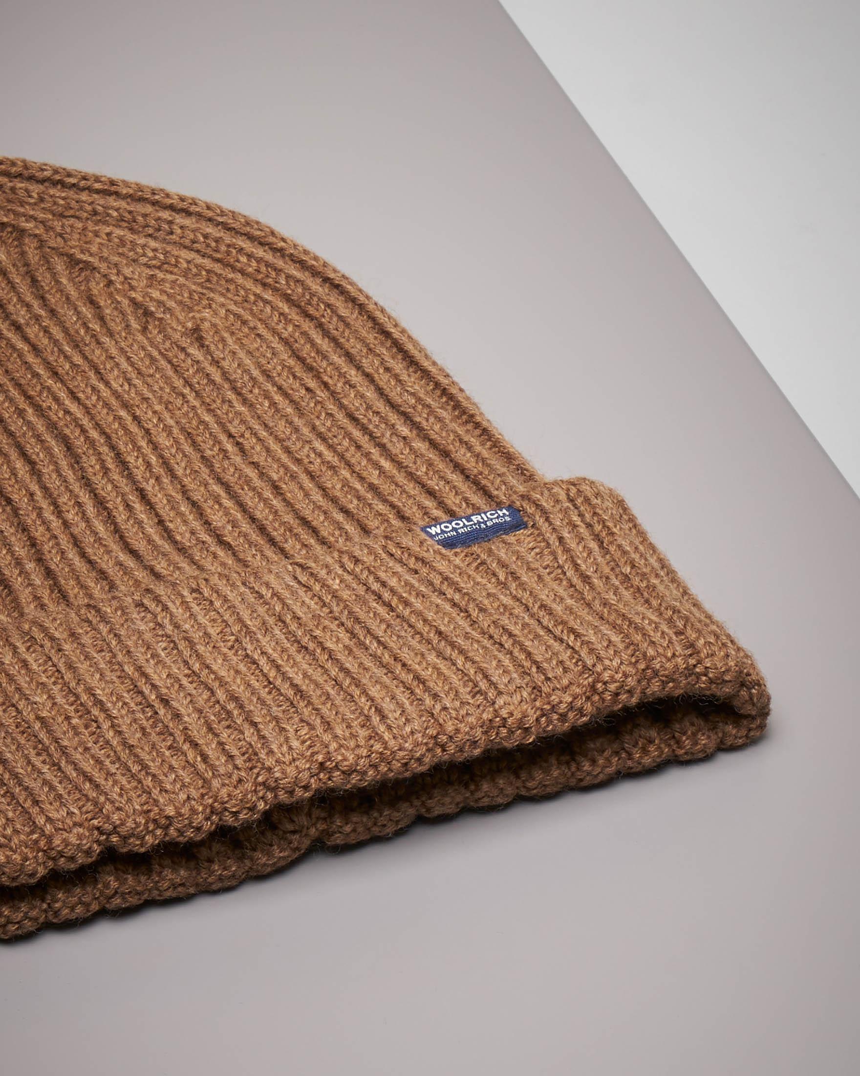 Berretto cammello in lana