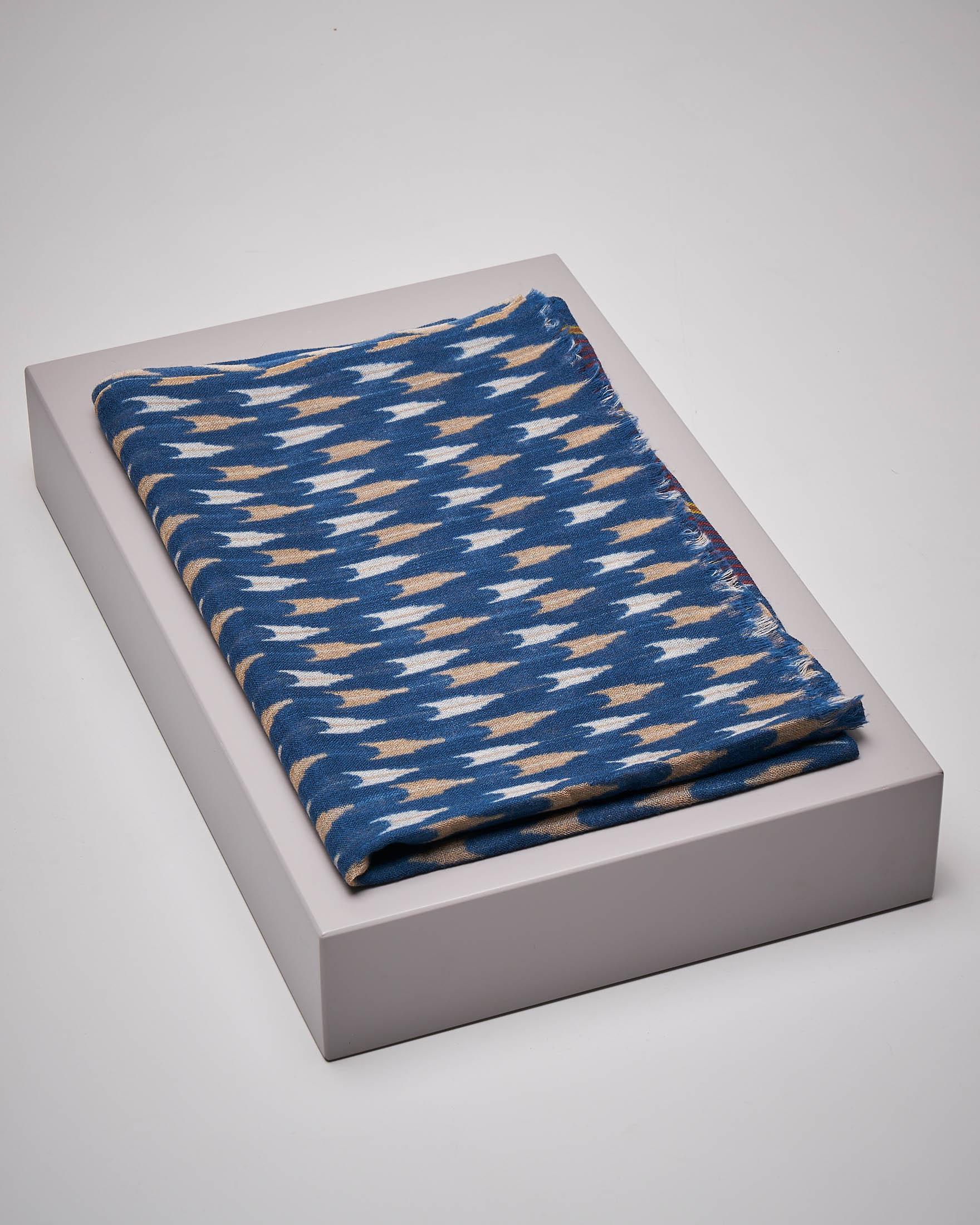 Sciarpa blu in lana fantasia