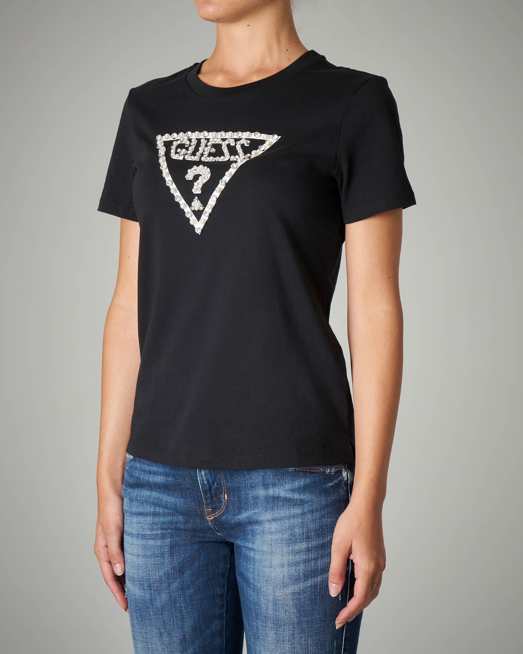T-shirt nera in cotone con logo ricamato