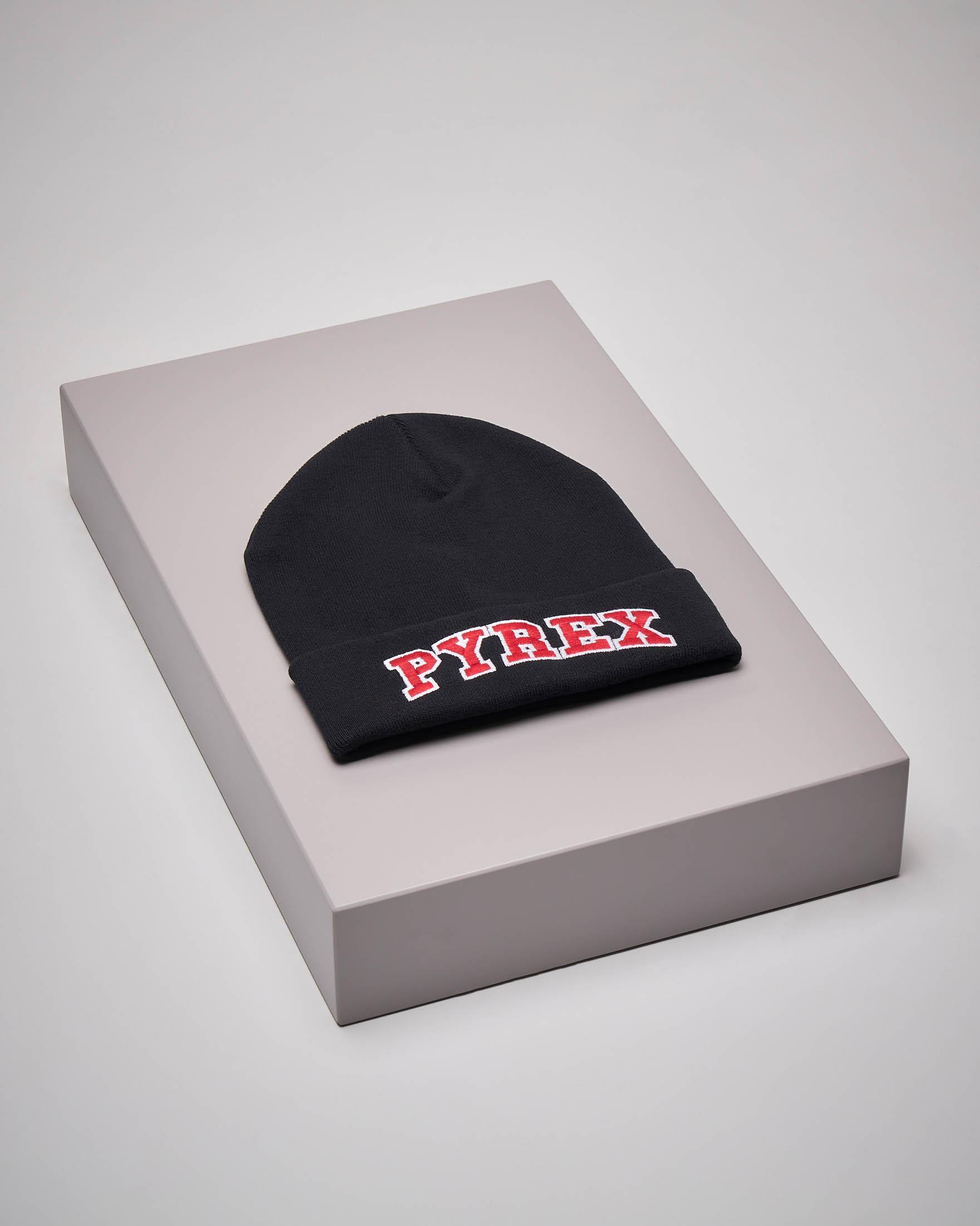 Berretto nero maxi-logo rosso