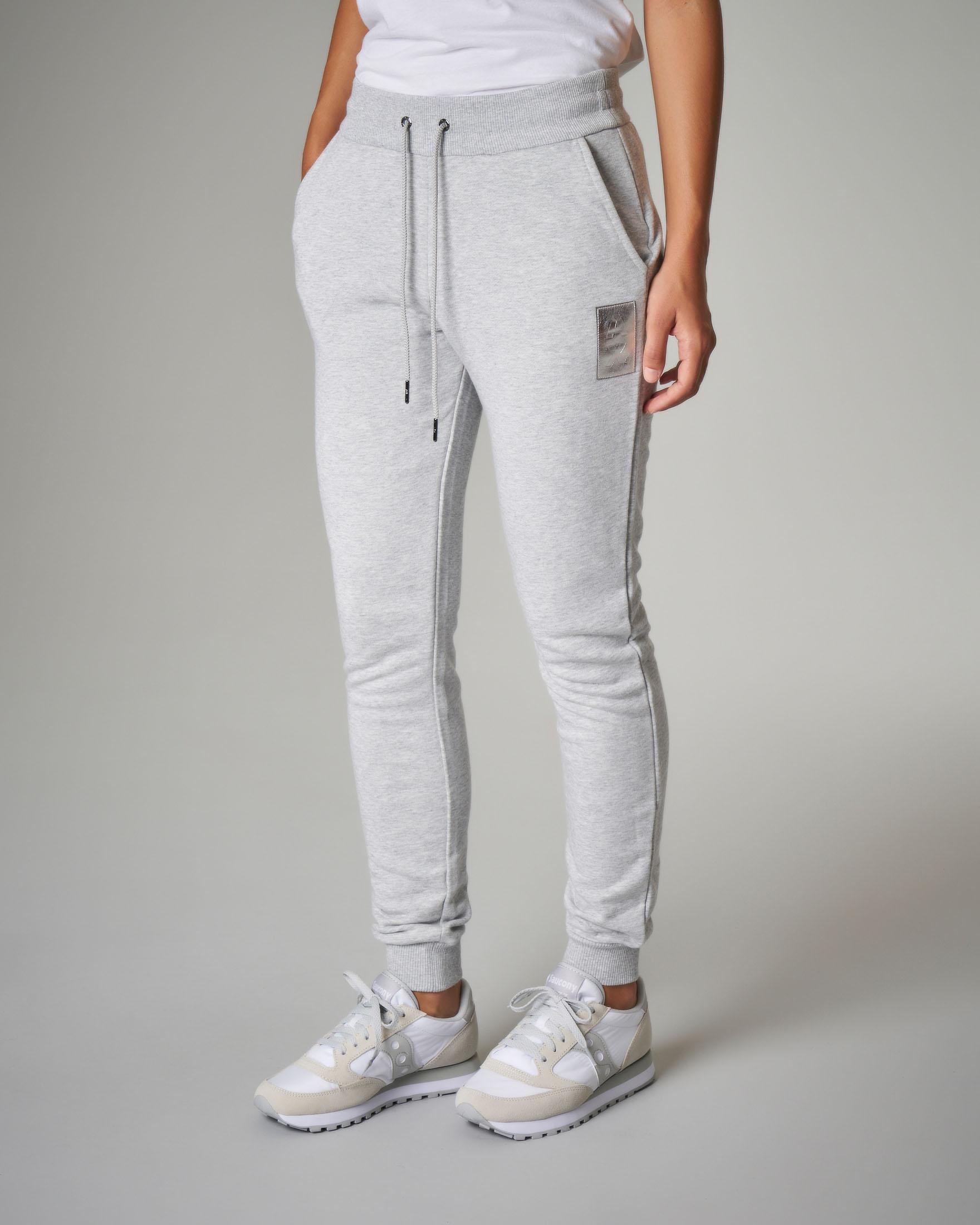 Pantaloni tuta grigi con logo metallizzato