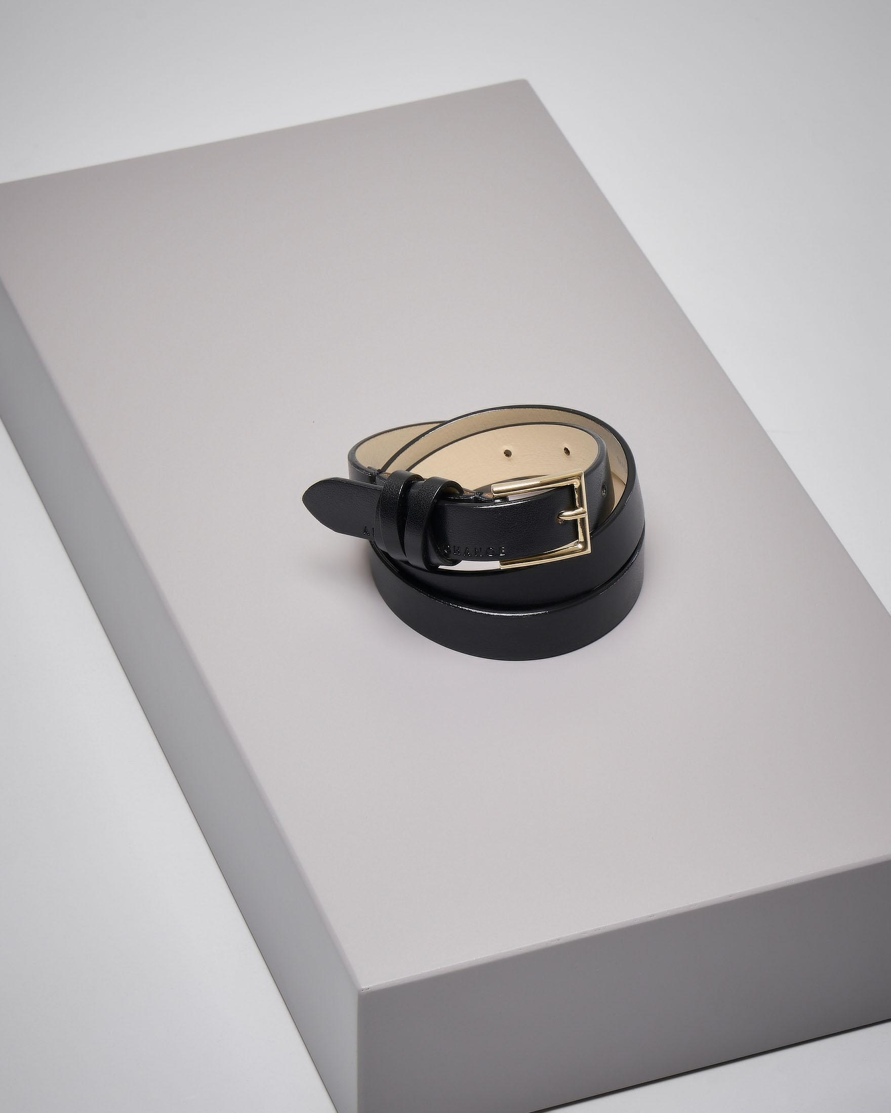 Cintura sottile in pelle nera