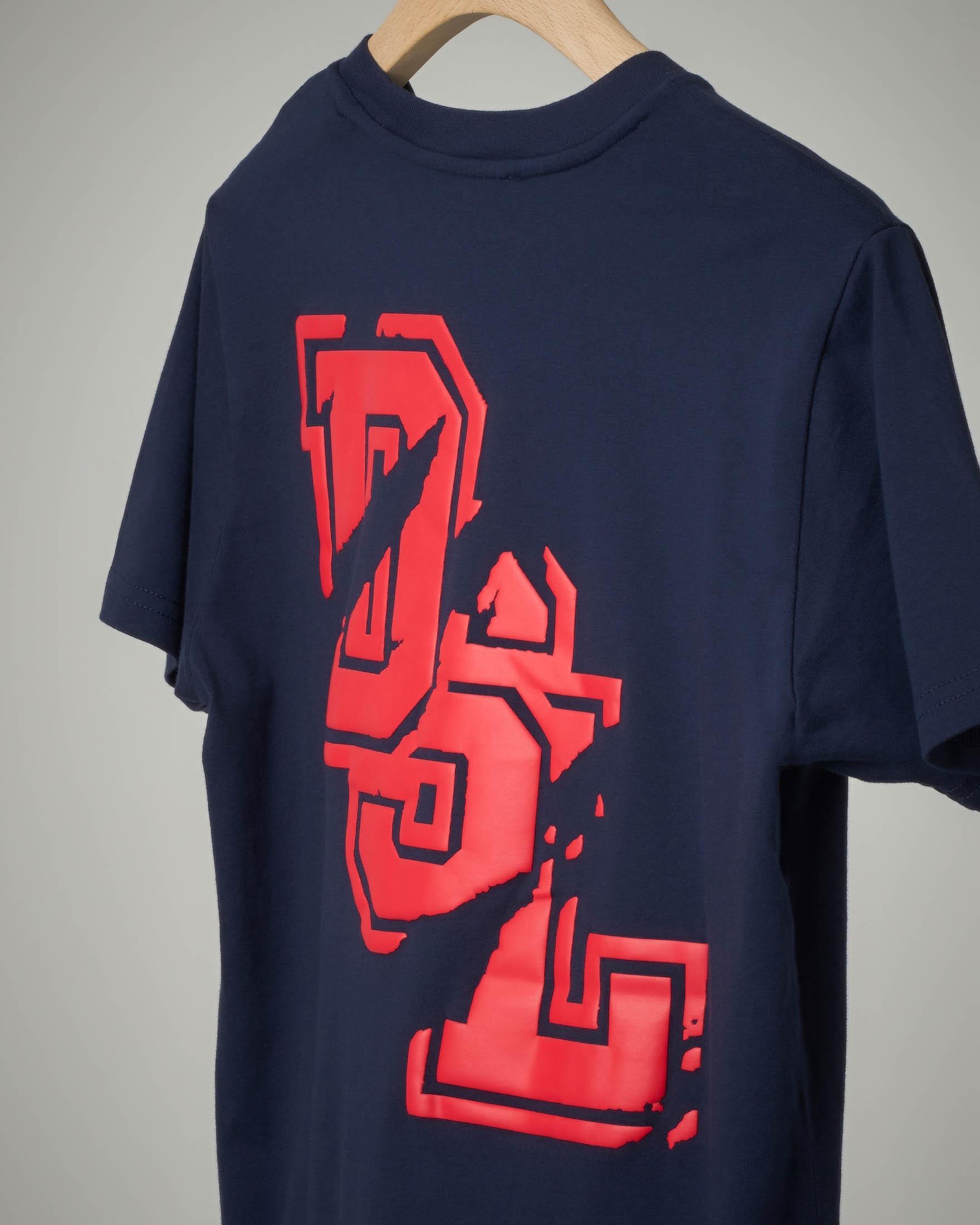 T-shirt blu con logo graffiato