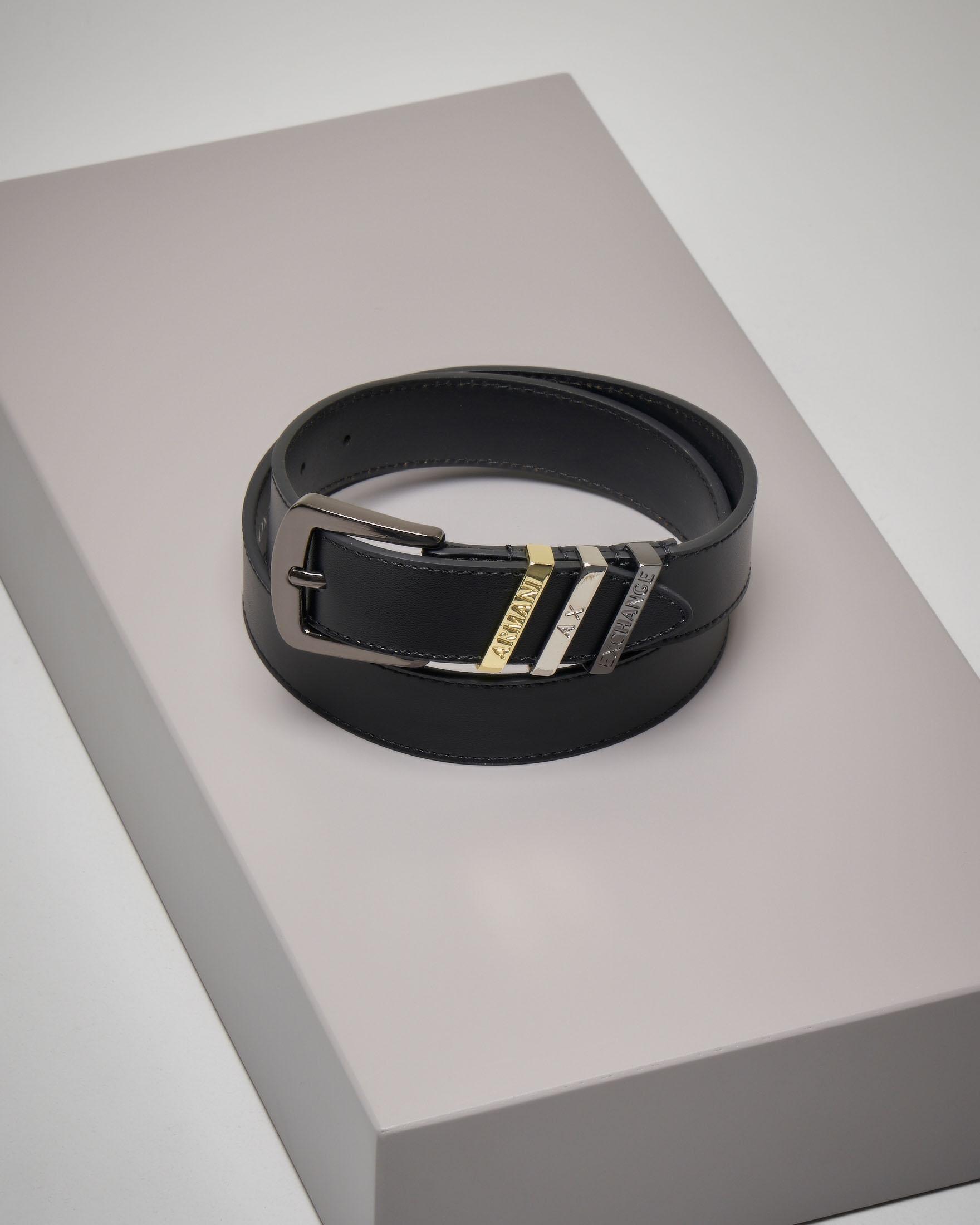 Cintura in pelle nera con impunture