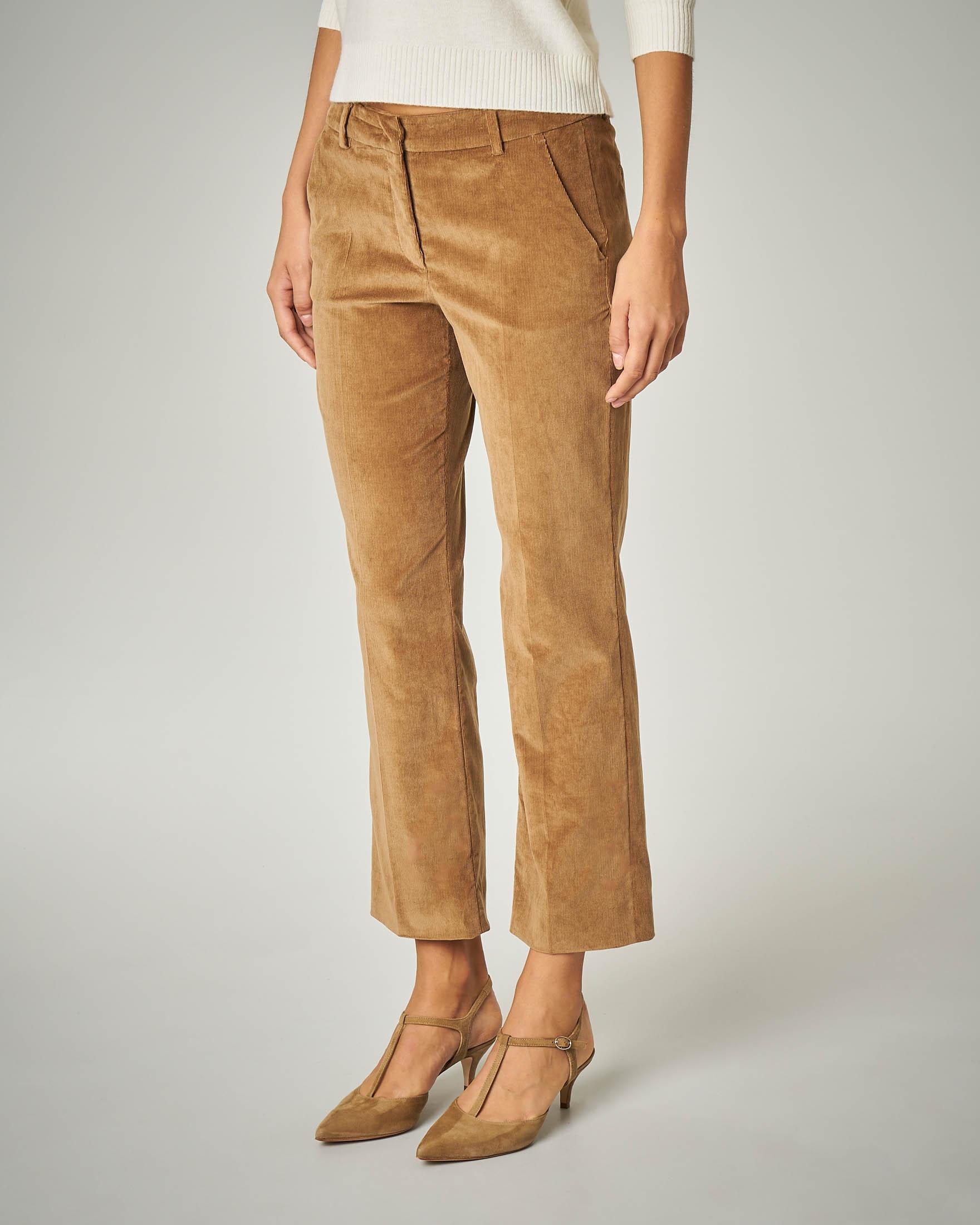 Pantalone in velluto colore cammello