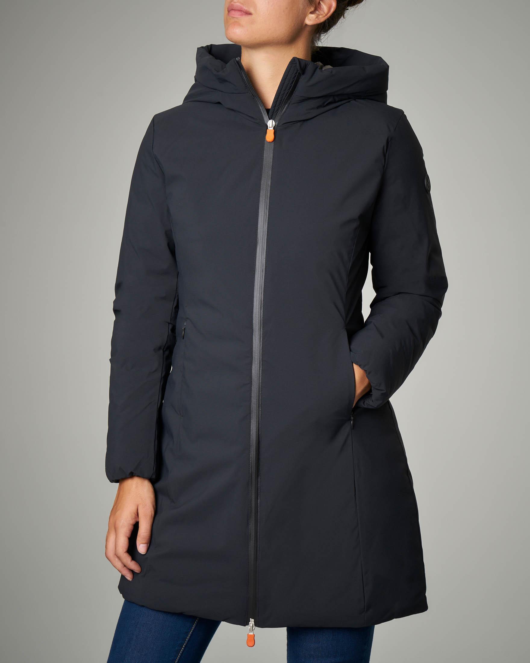 Giaccone imbottito lungo nero con cappuccio
