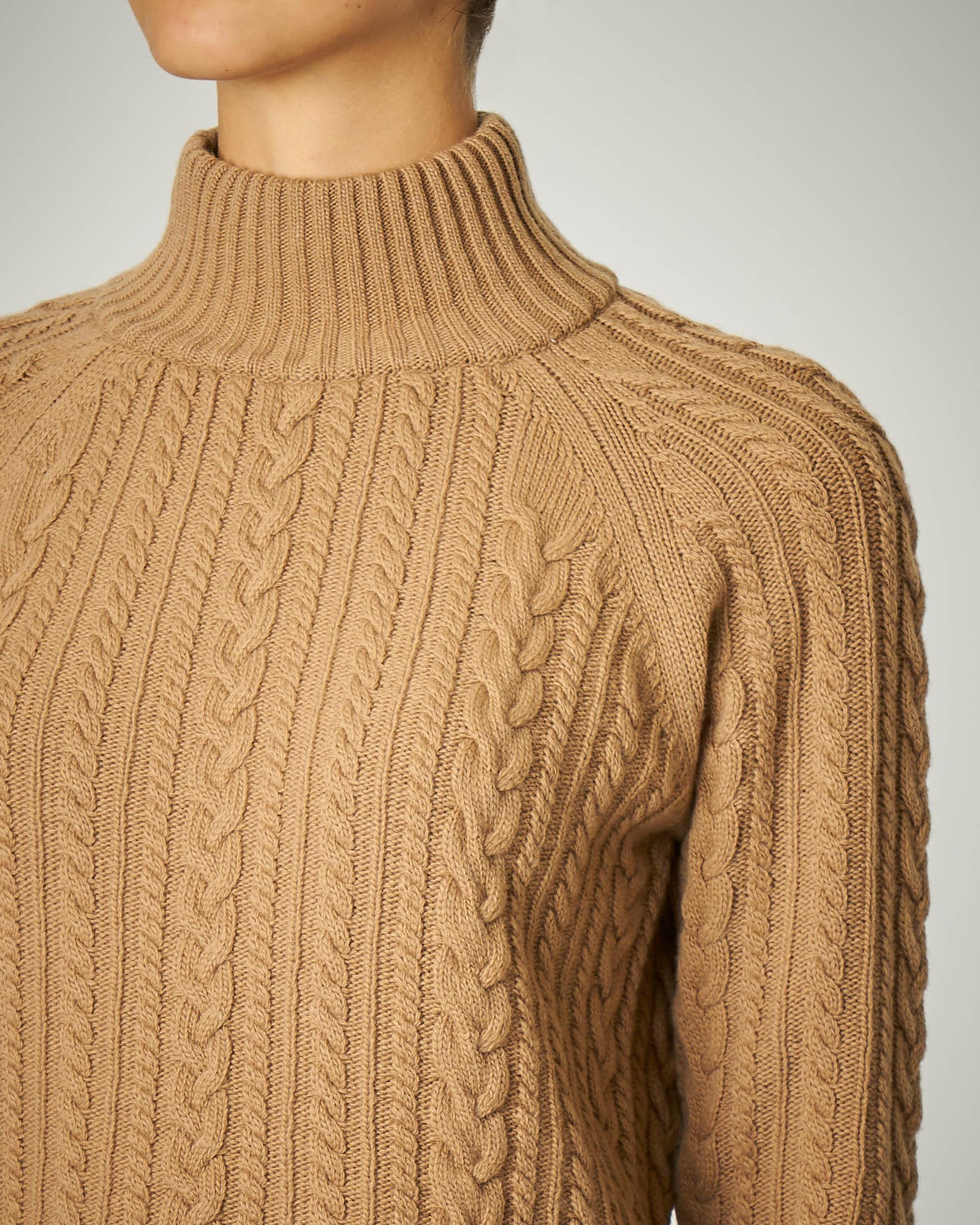 Maglia a trecce in pura lana