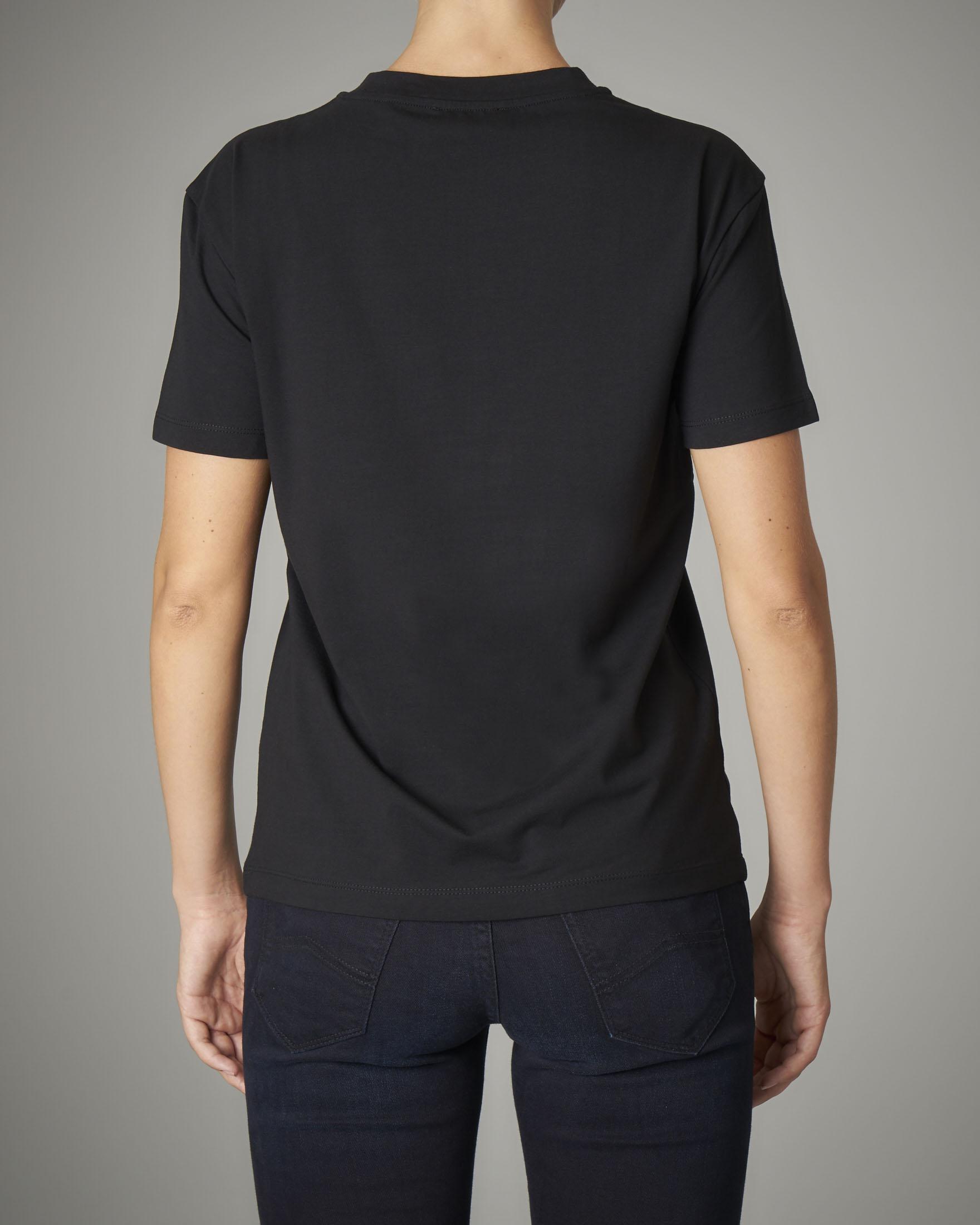 T-shirt girocollo nera con maxi logo ricamato