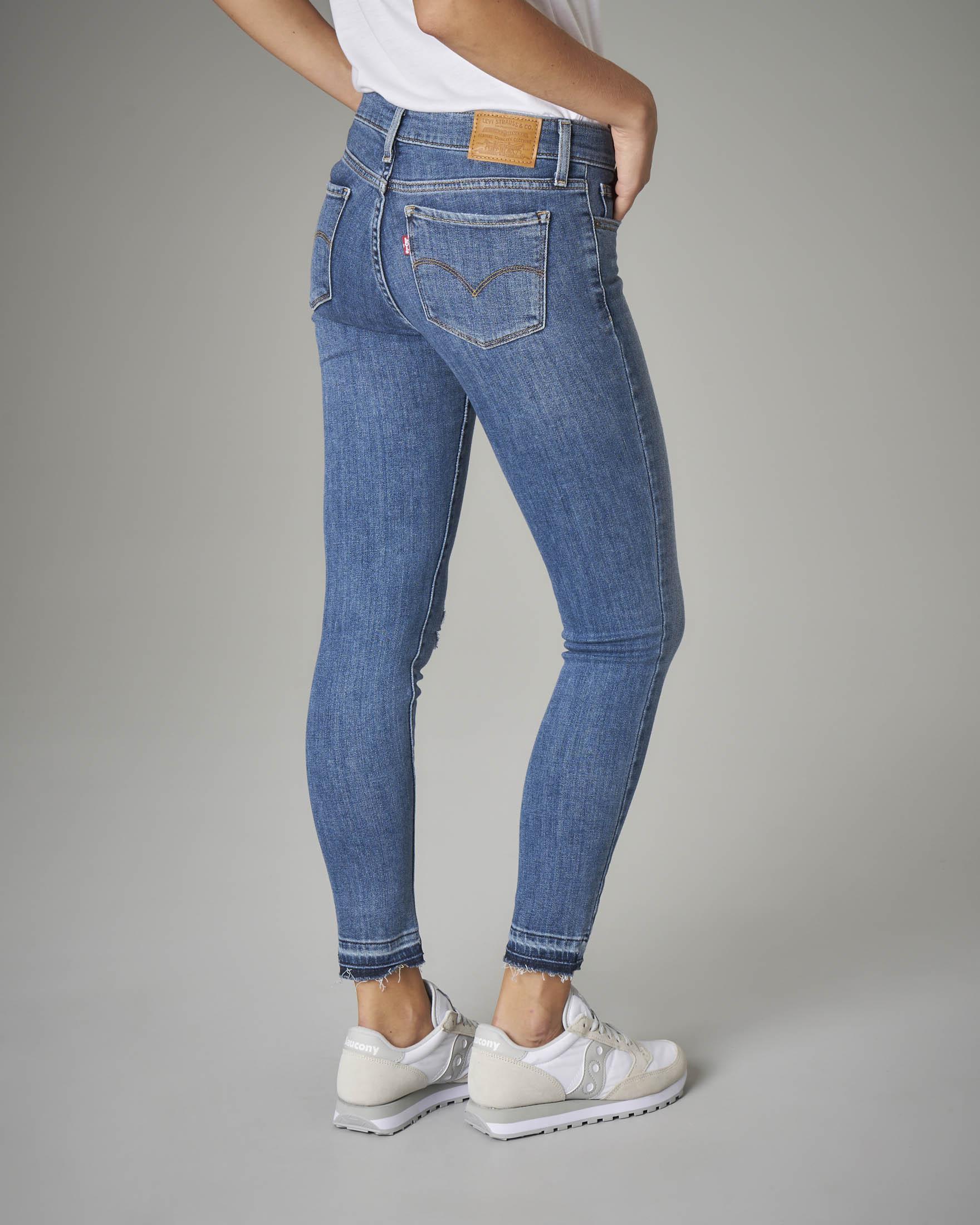 Jeans 711 sfrangiati blu stone washed