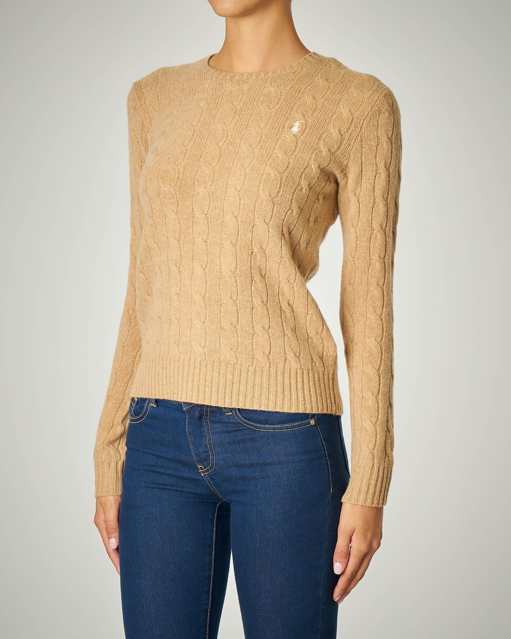 Maglia a trecce in lana color cammello