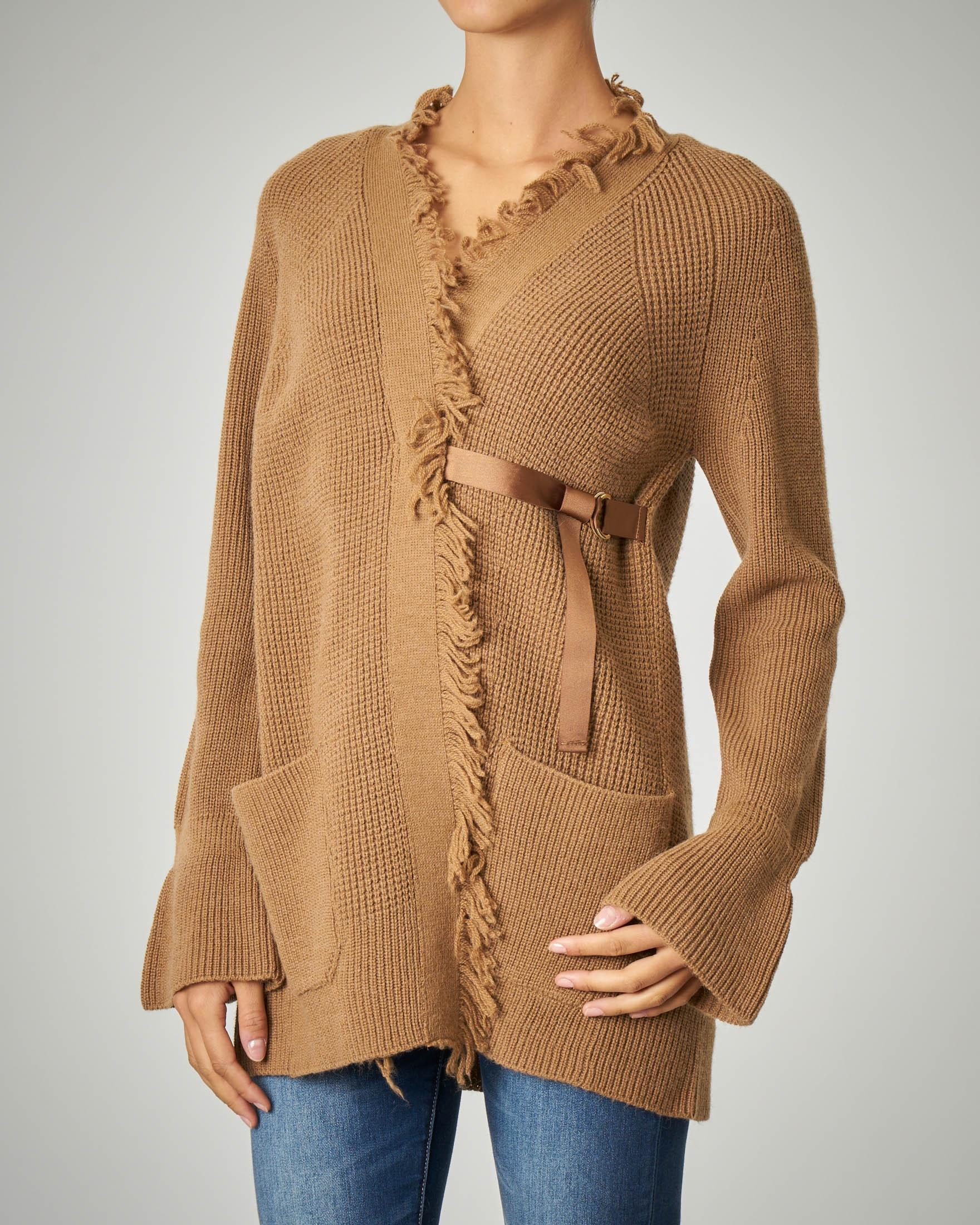 Cardigan cammello in mohair con frange