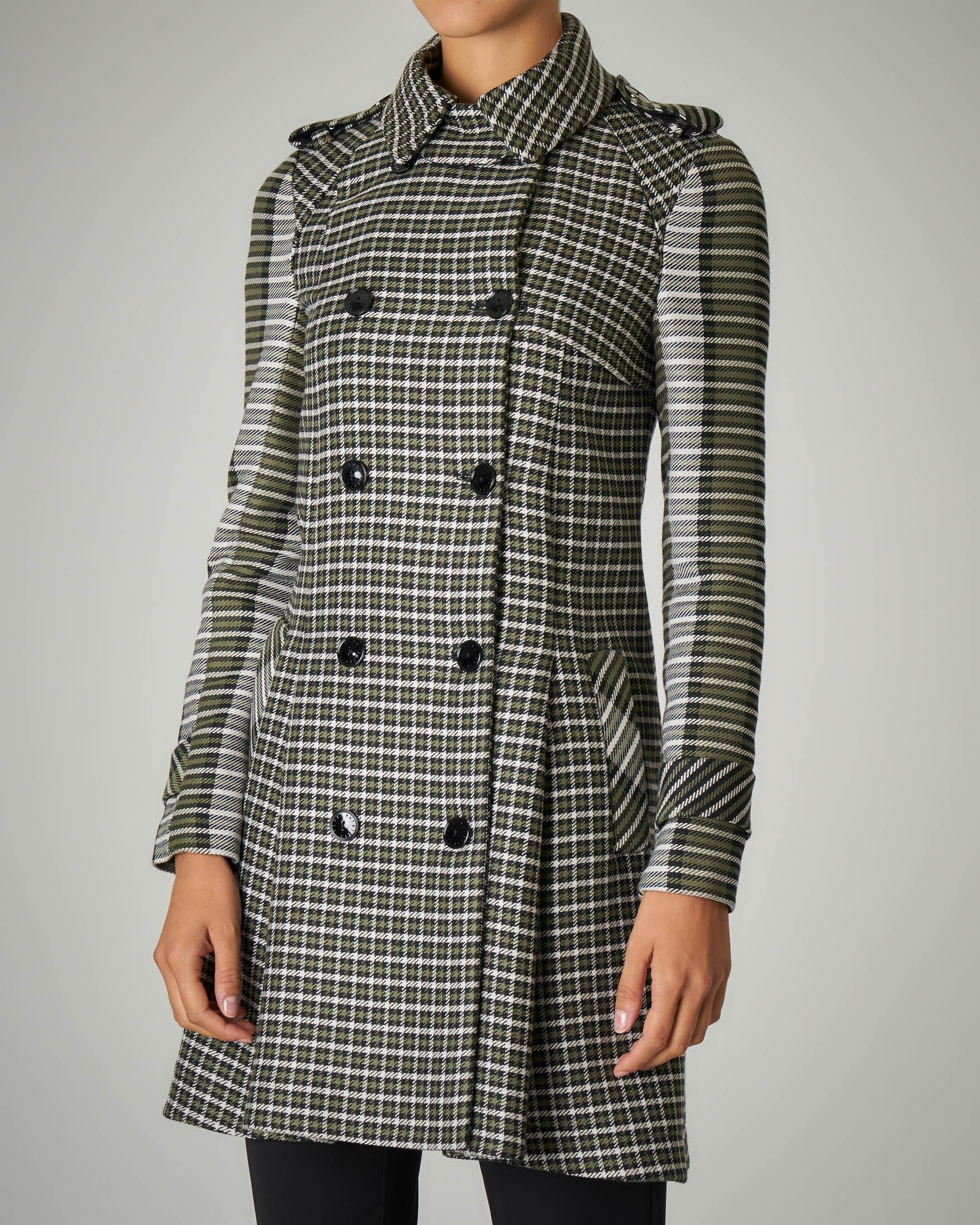 Trench in tweed di lana a fantasia pied de poule