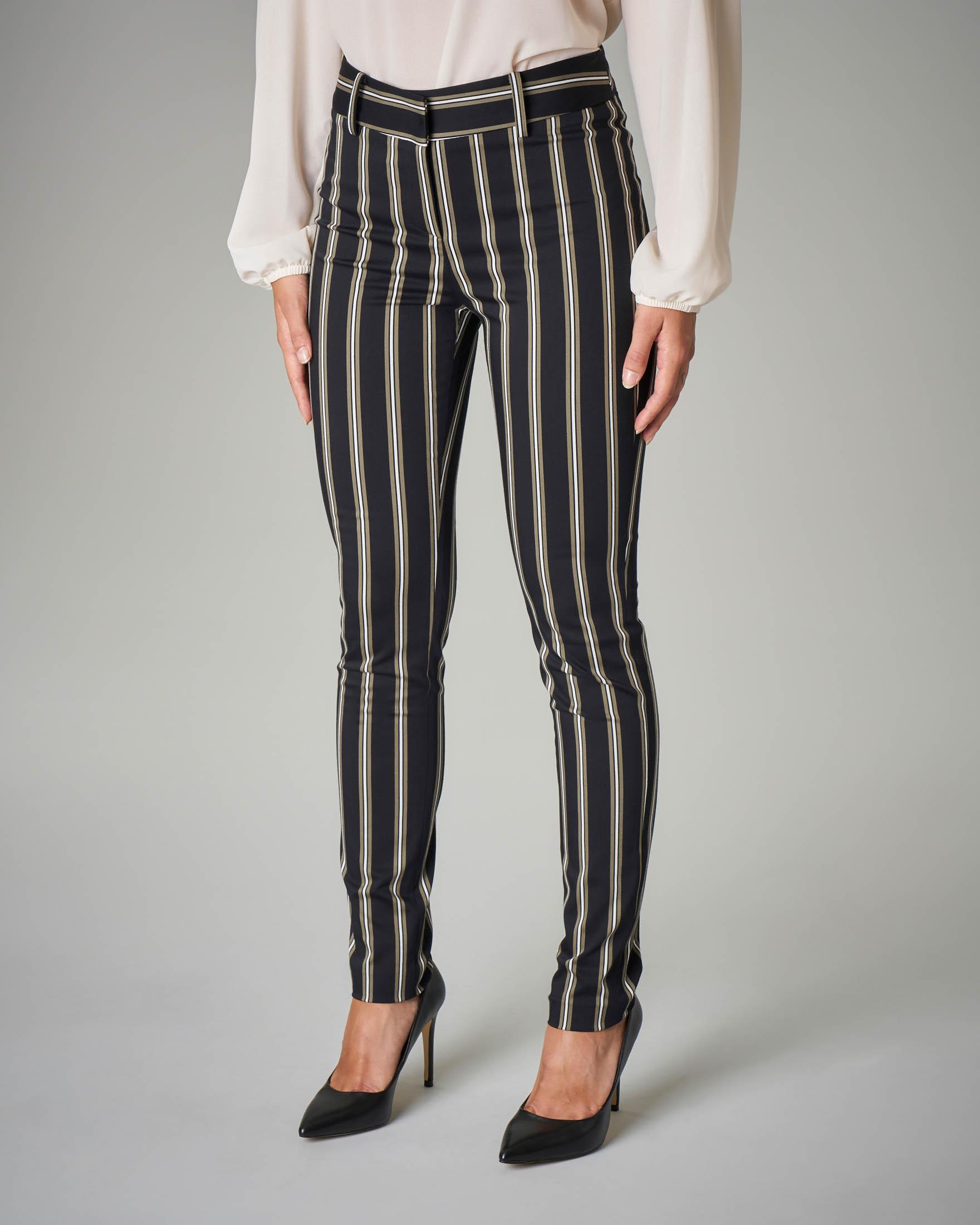 Pantalone skinny fantasia a righe