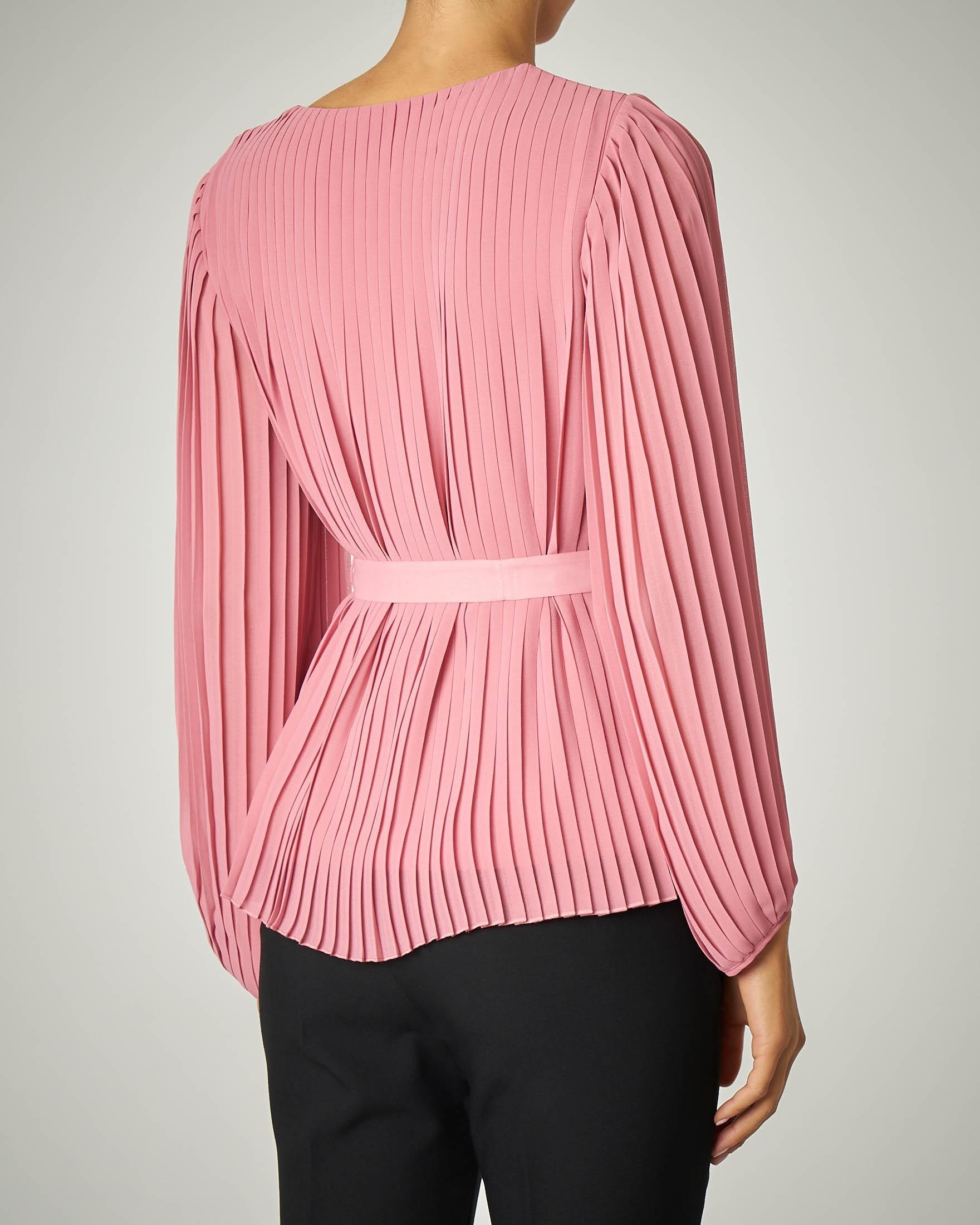 Blusa rosa plissè con cinturina in vita