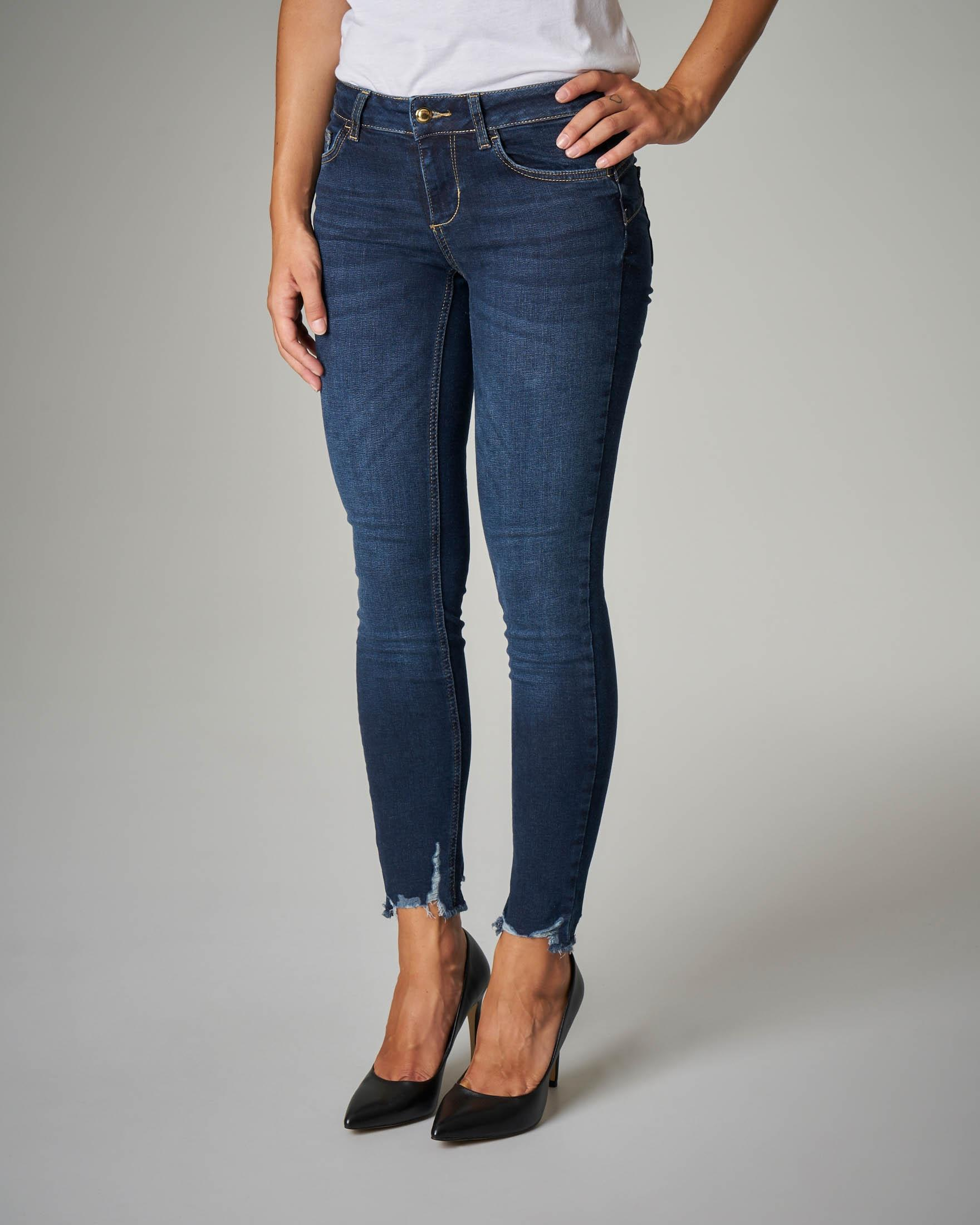 Jeans skinny Bottom Up con orlo sfrangiato