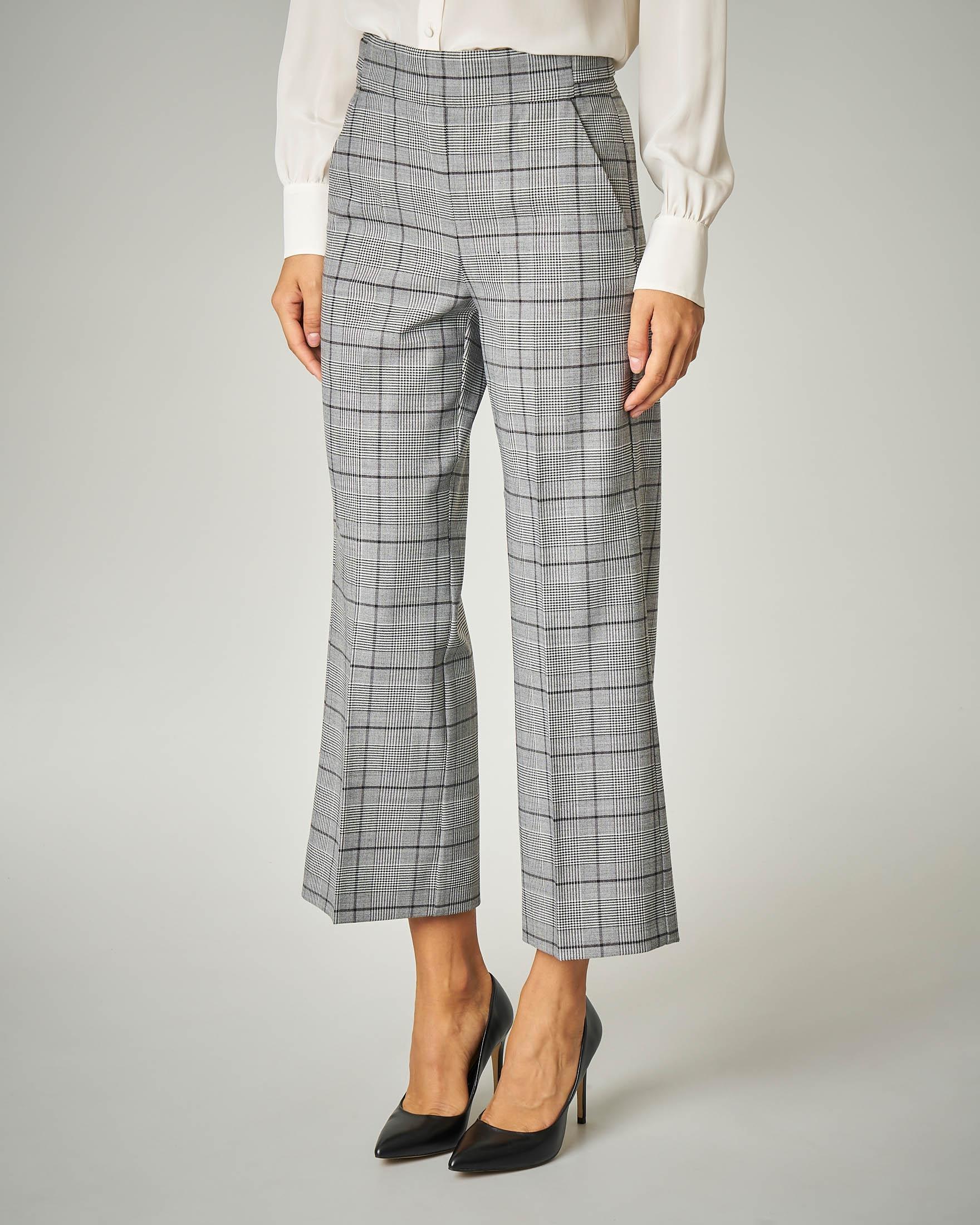 Pantalone cropped in Principe di Galles.