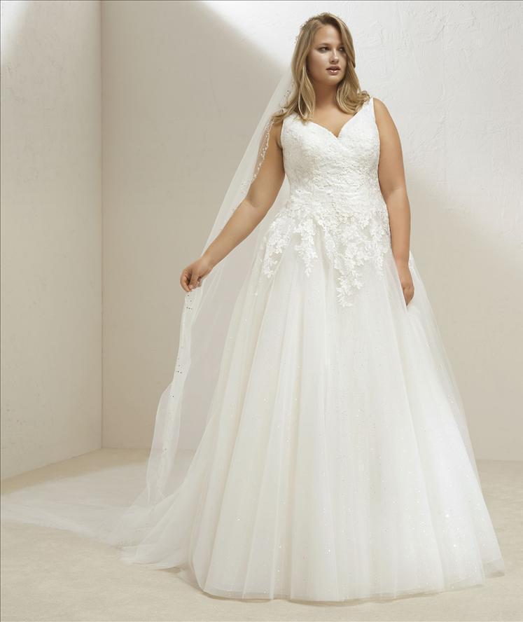 best website df2f8 49a6b Abito sposa mod. MARY linea PRONOVIAS PLUS