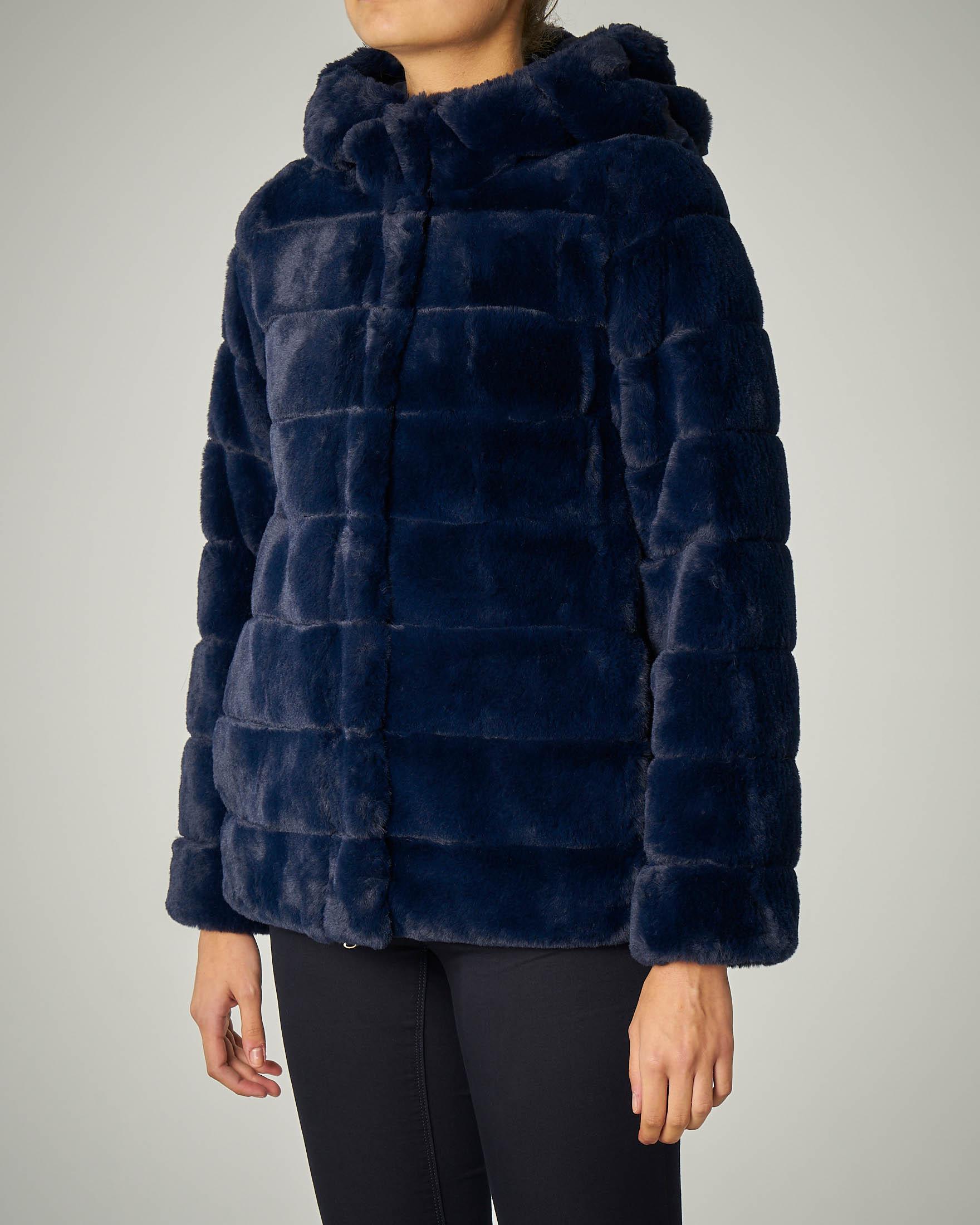Eco pelliccia corta blu con cappuccio