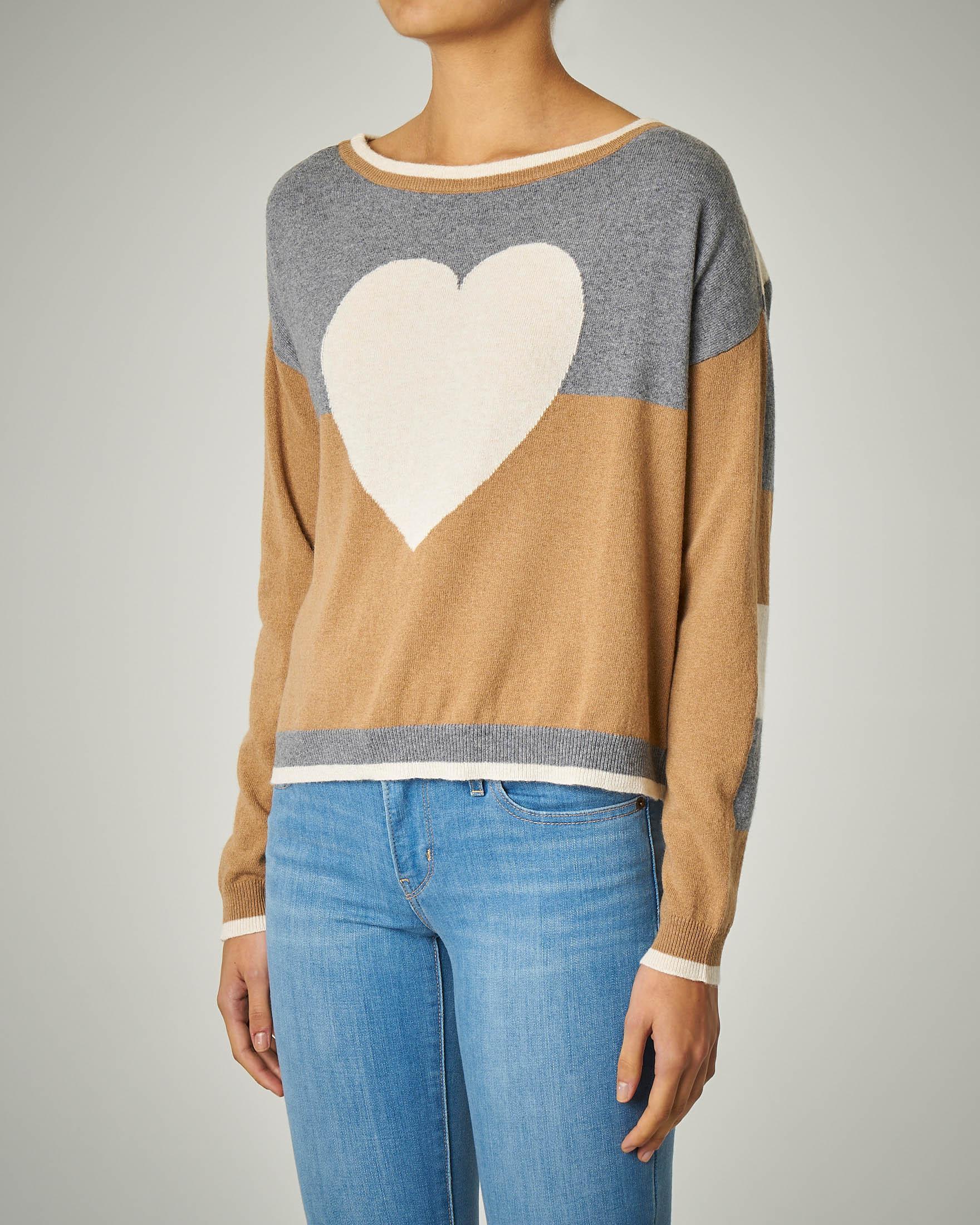 Maglia in lana misto cashmere a righe con ricamo a cuore