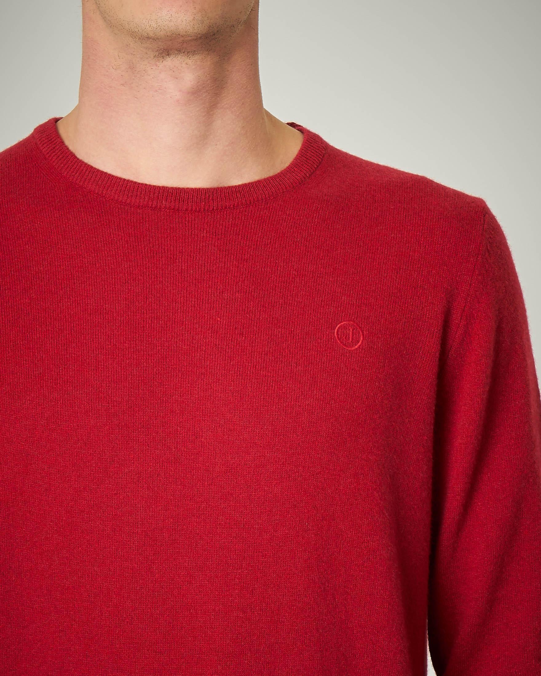 Maglia rossa girocollo con toppe grigie in contrasto