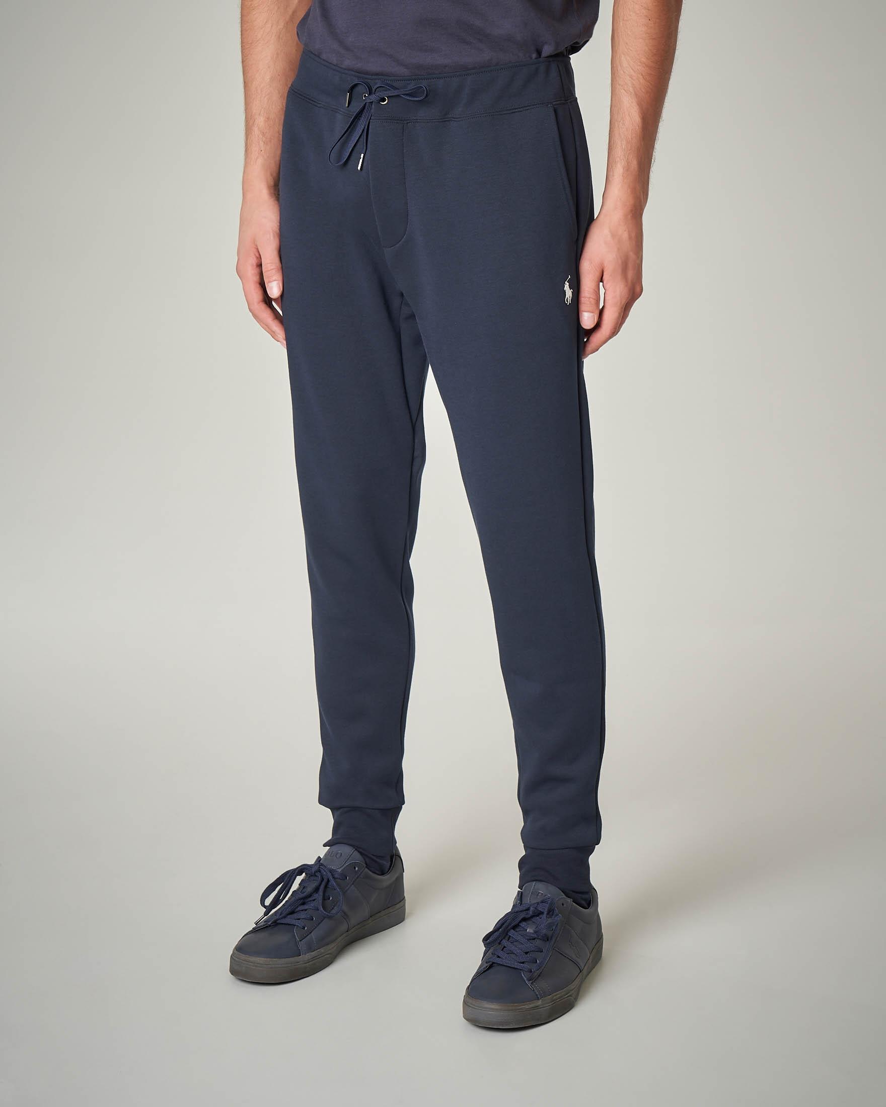 Pantalone blu in felpa con taschino posteriore