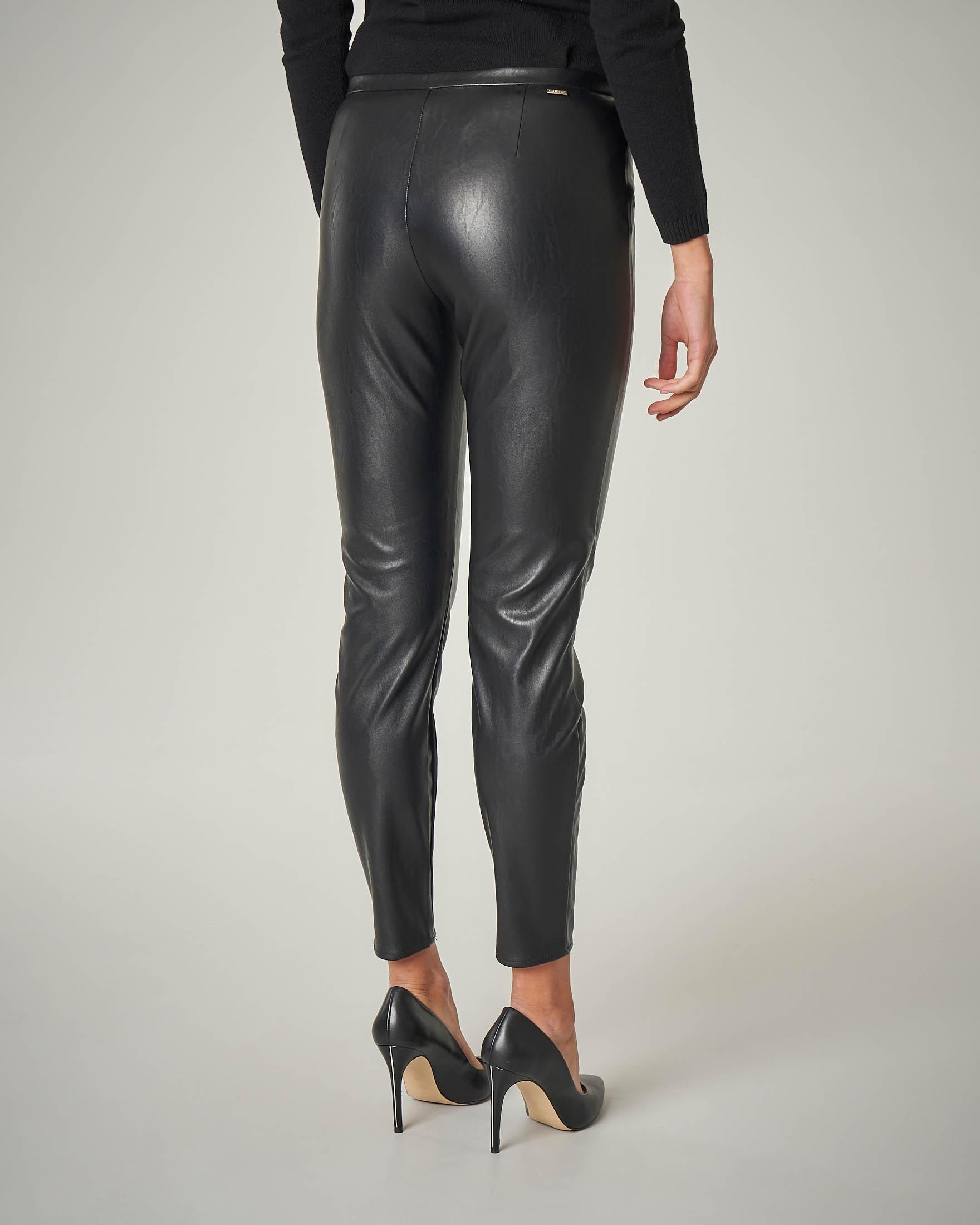 Pantaloni neri in ecopelle