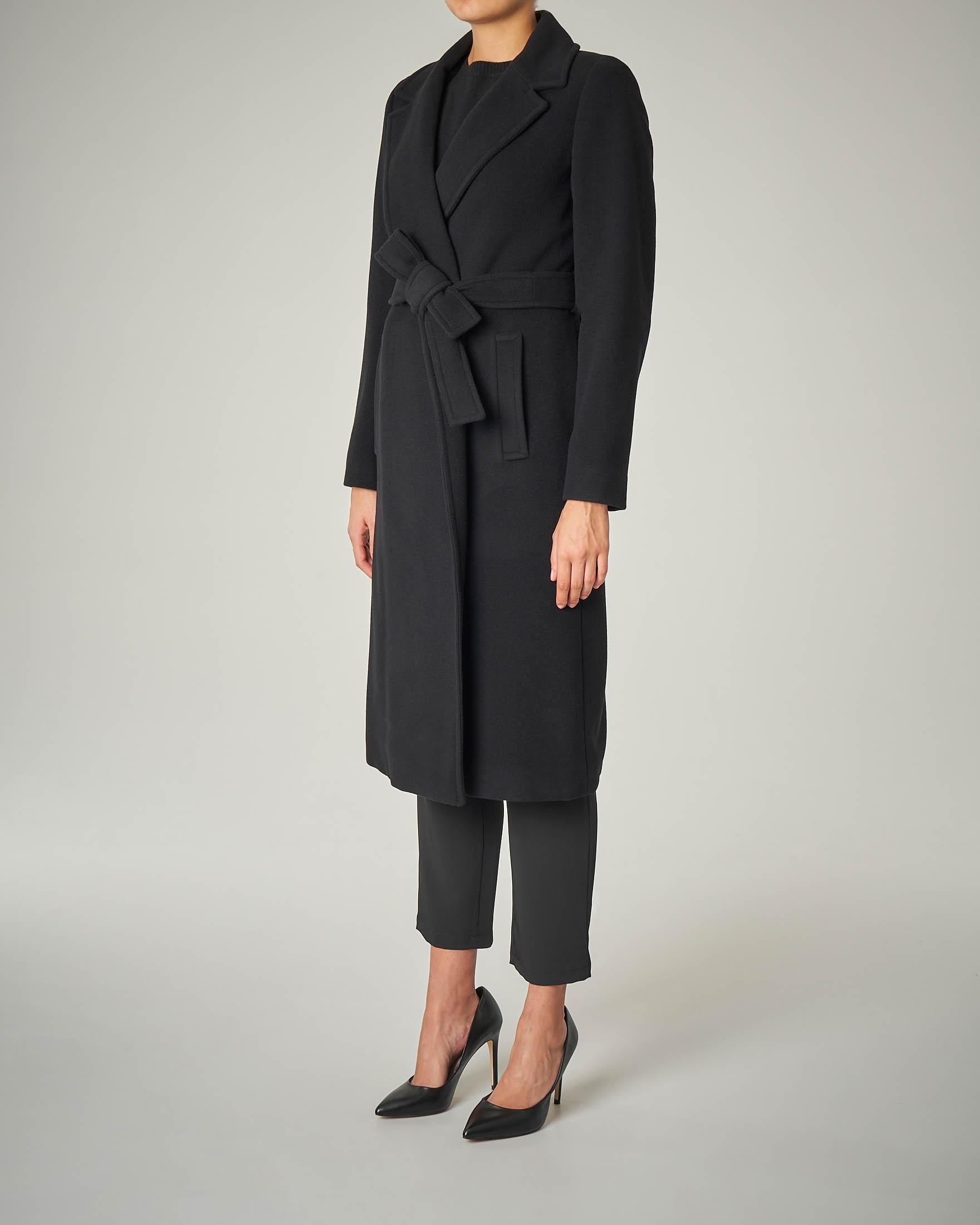 Cappotto sette ottavi nero con cintura
