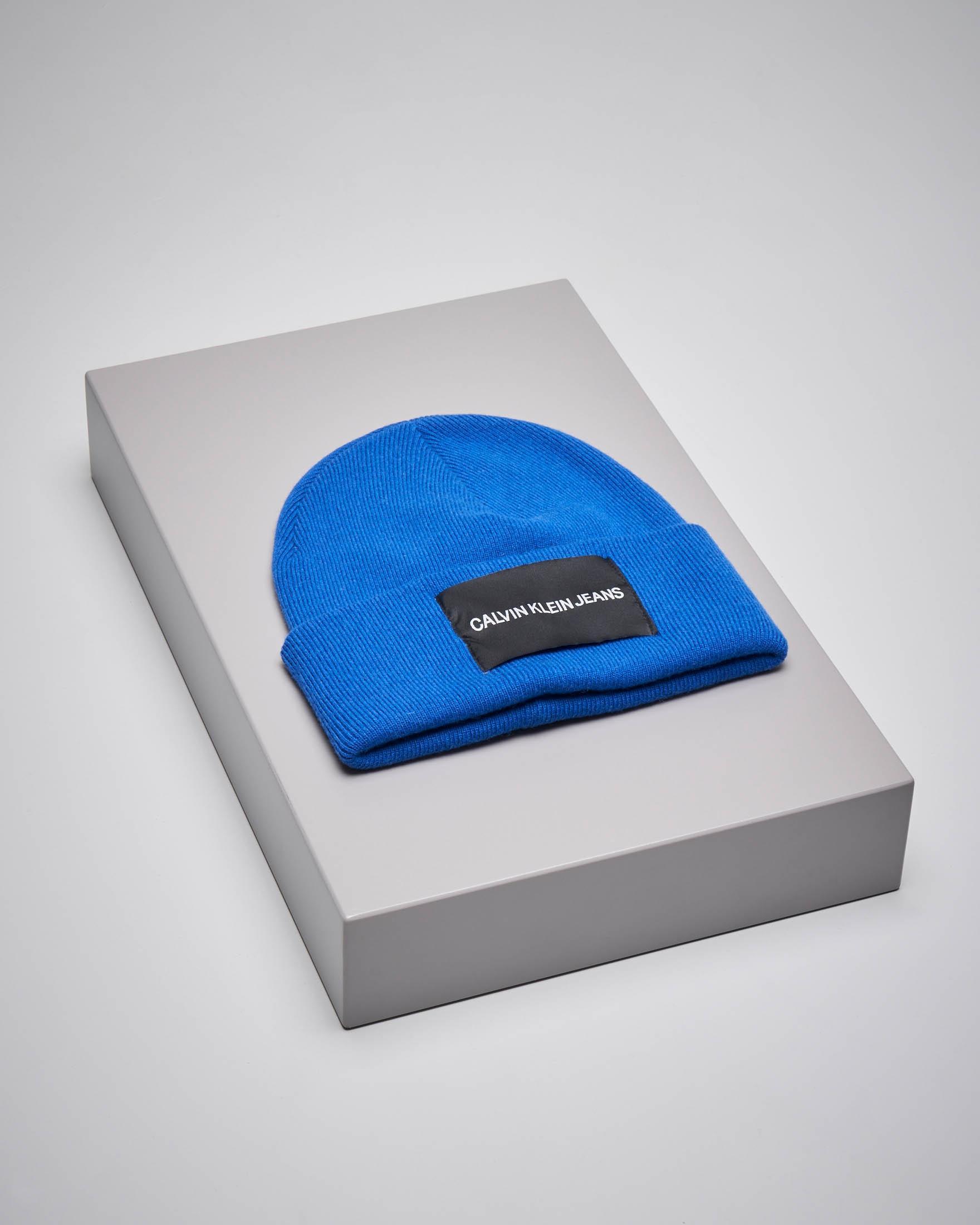 Berretto in misto lana blu cina con logo