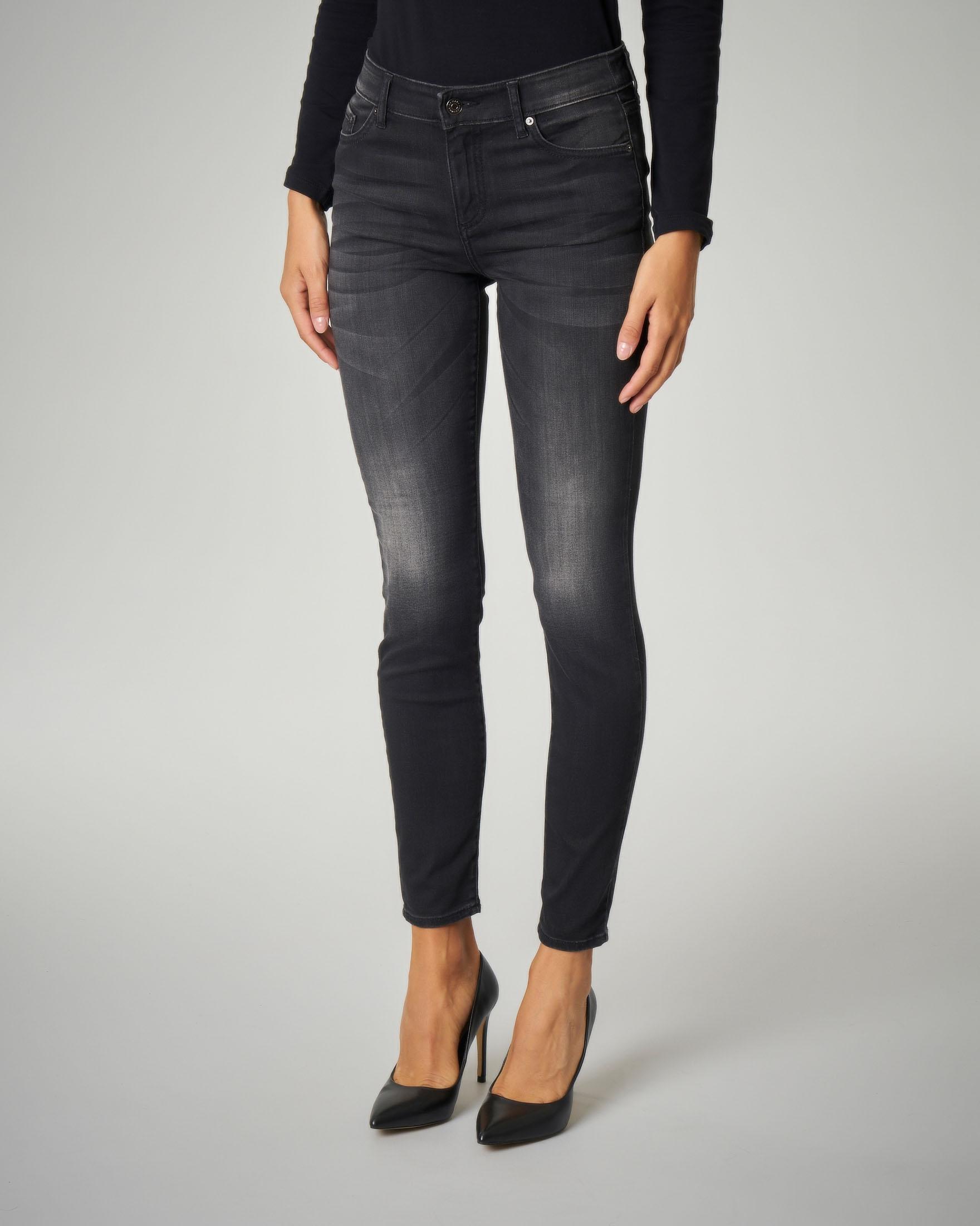 Jeans neri skinny effetto lavato