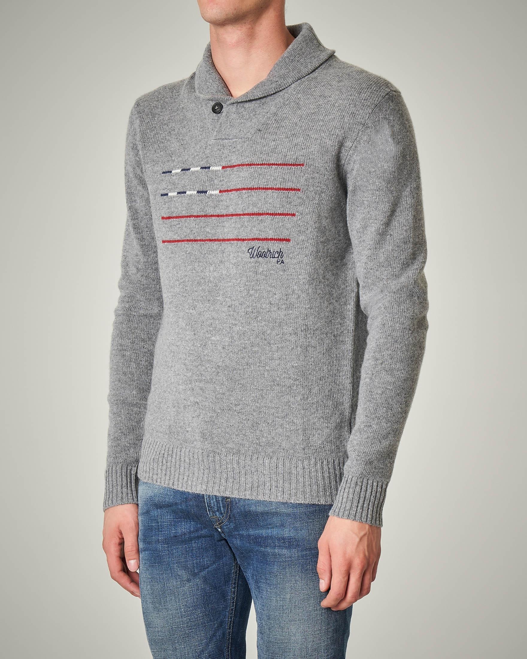 Maglia grigia in lana con collo a scialle