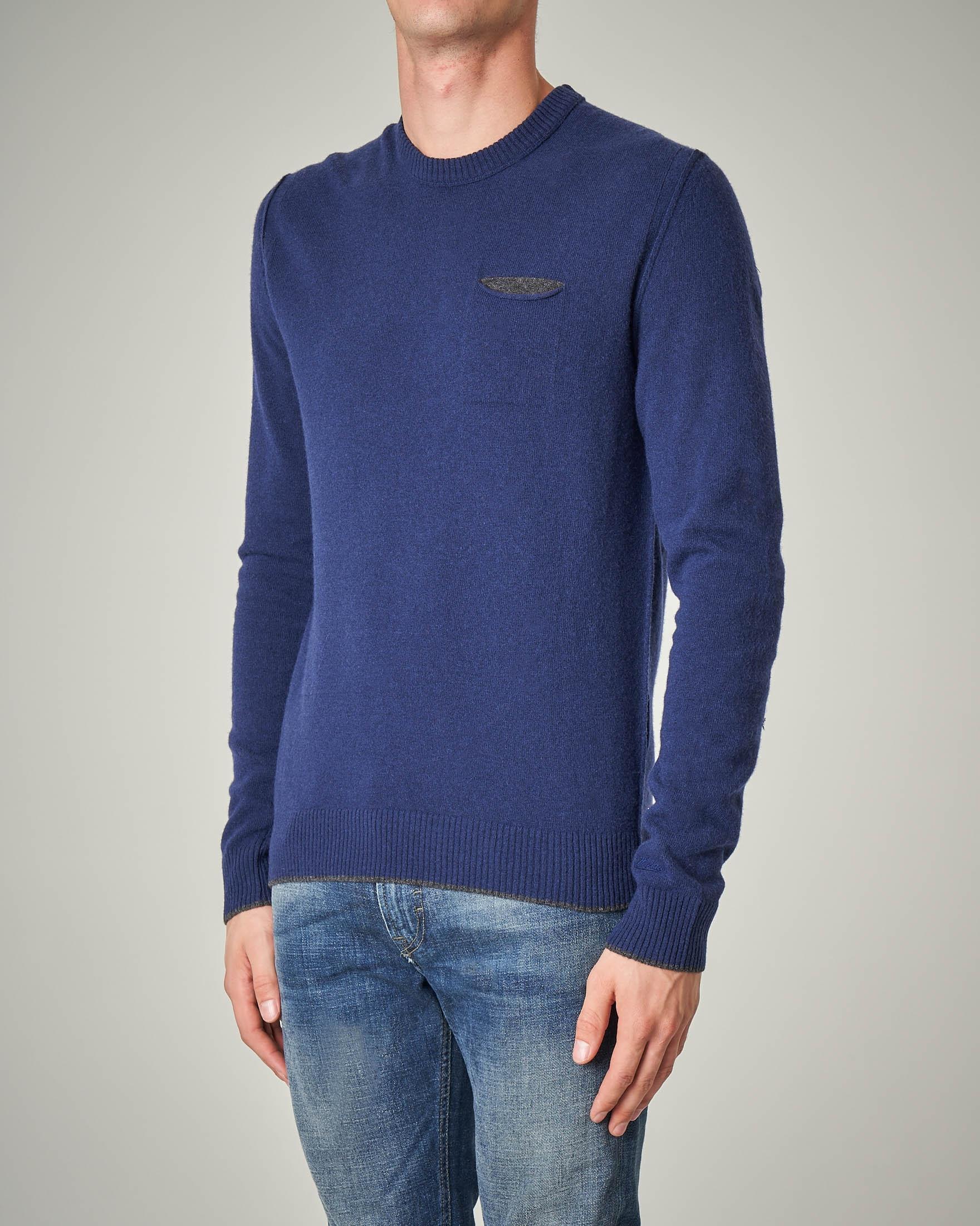 Maglia blu in lana con taschino