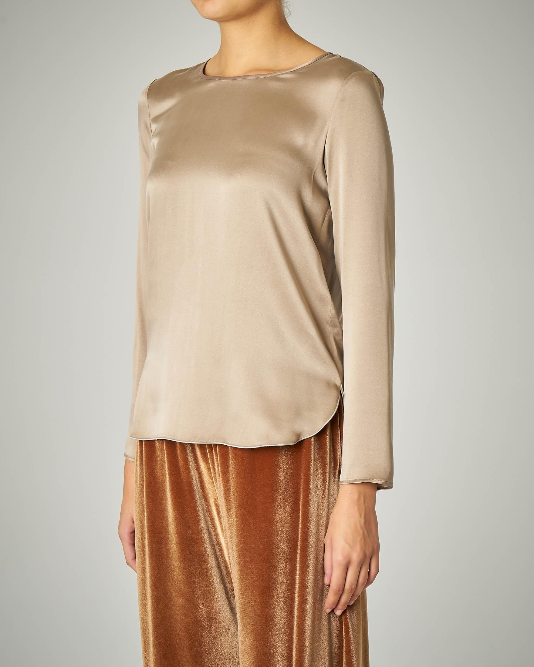 Blusa in crêpe di seta color beige